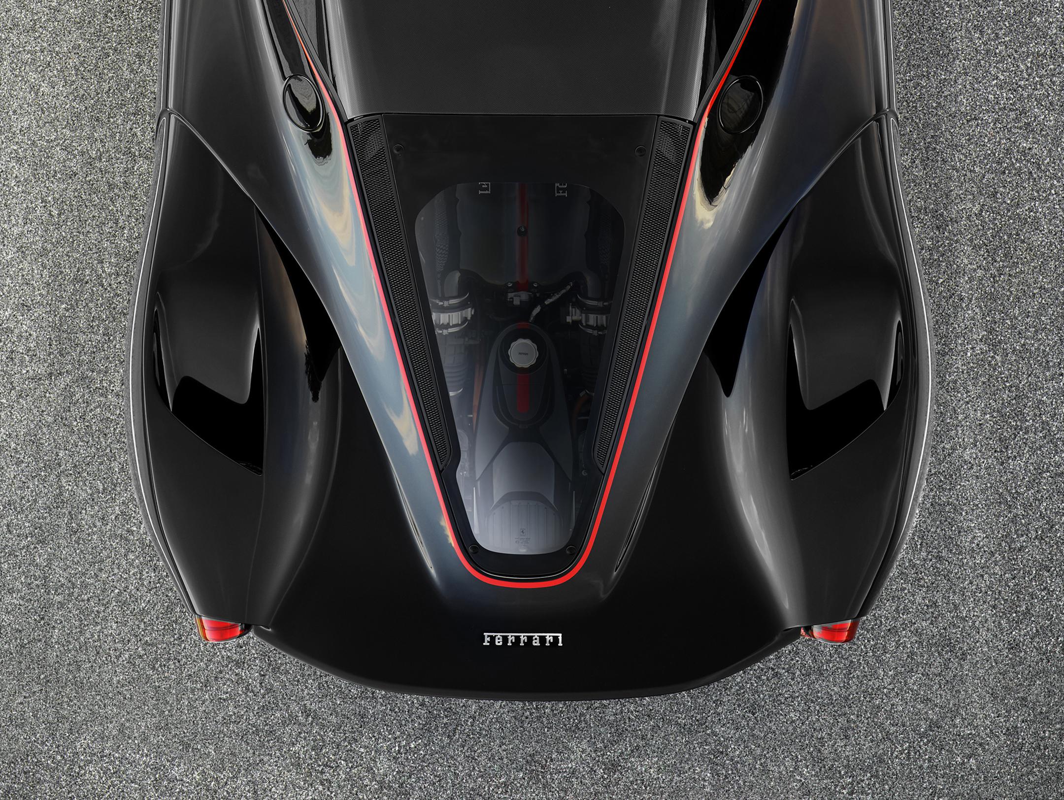 LaFerrari Aperta - 2016 - top under the hood