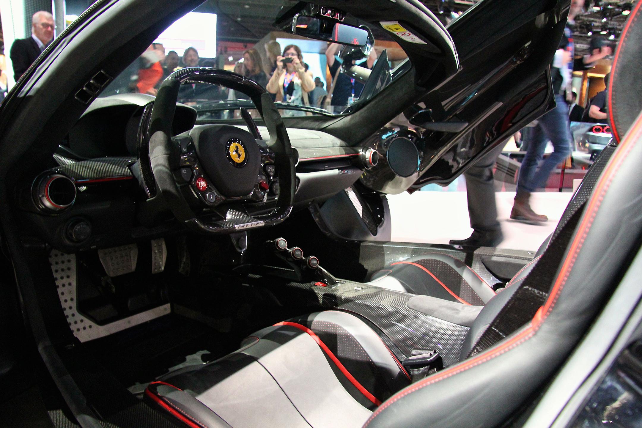 LaFerrari Aperta - 2016 - interior / intérieur - 2016 - Mondial Auto - photo Ludo Ferrari