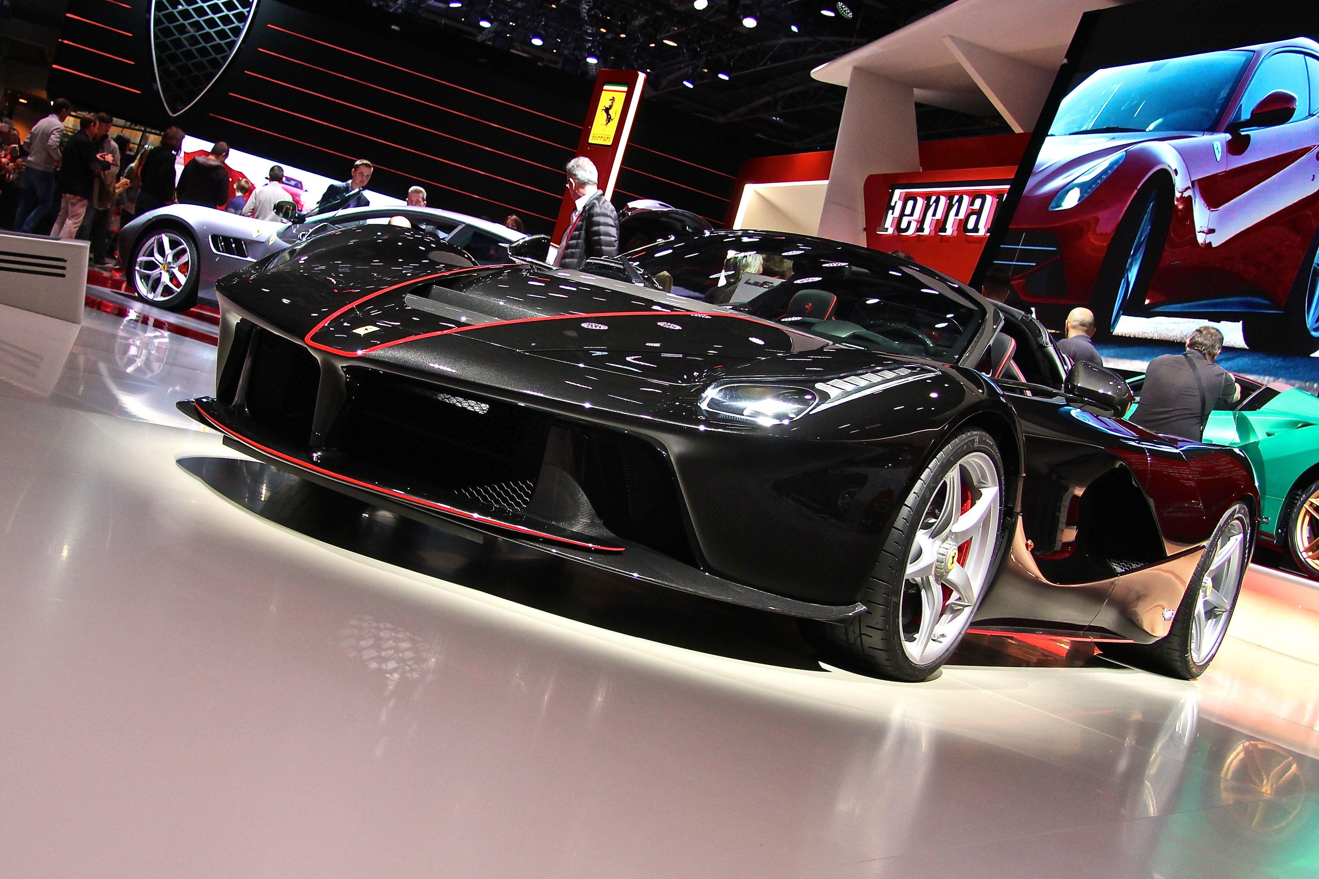 LaFerrari Aperta - 2016 - stand - 2016 - Mondial Auto - photo Ludo Ferrari