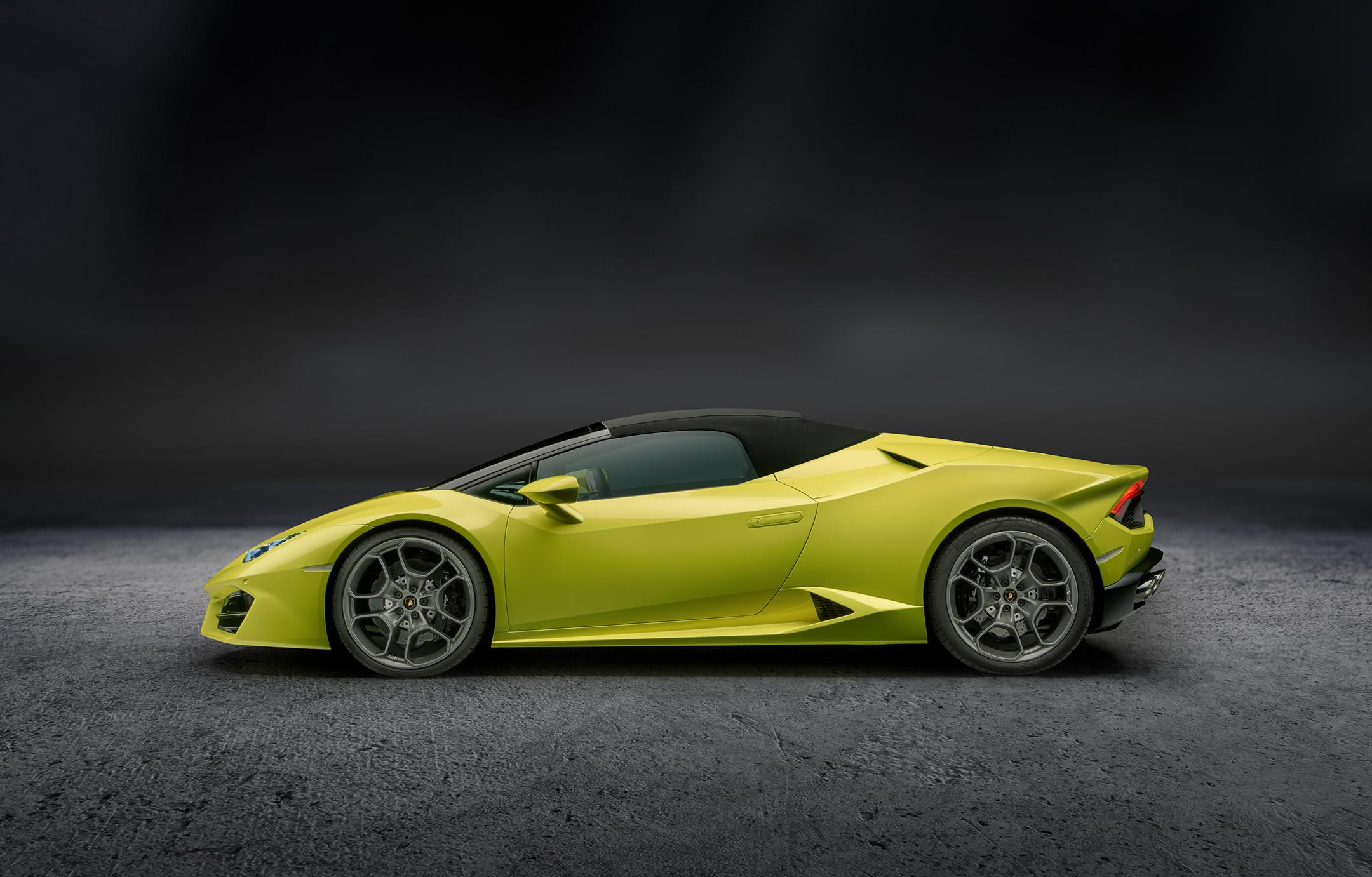 Lamborghini Huracán LP580-2 Spyder - profil toit fermé / side-face close top