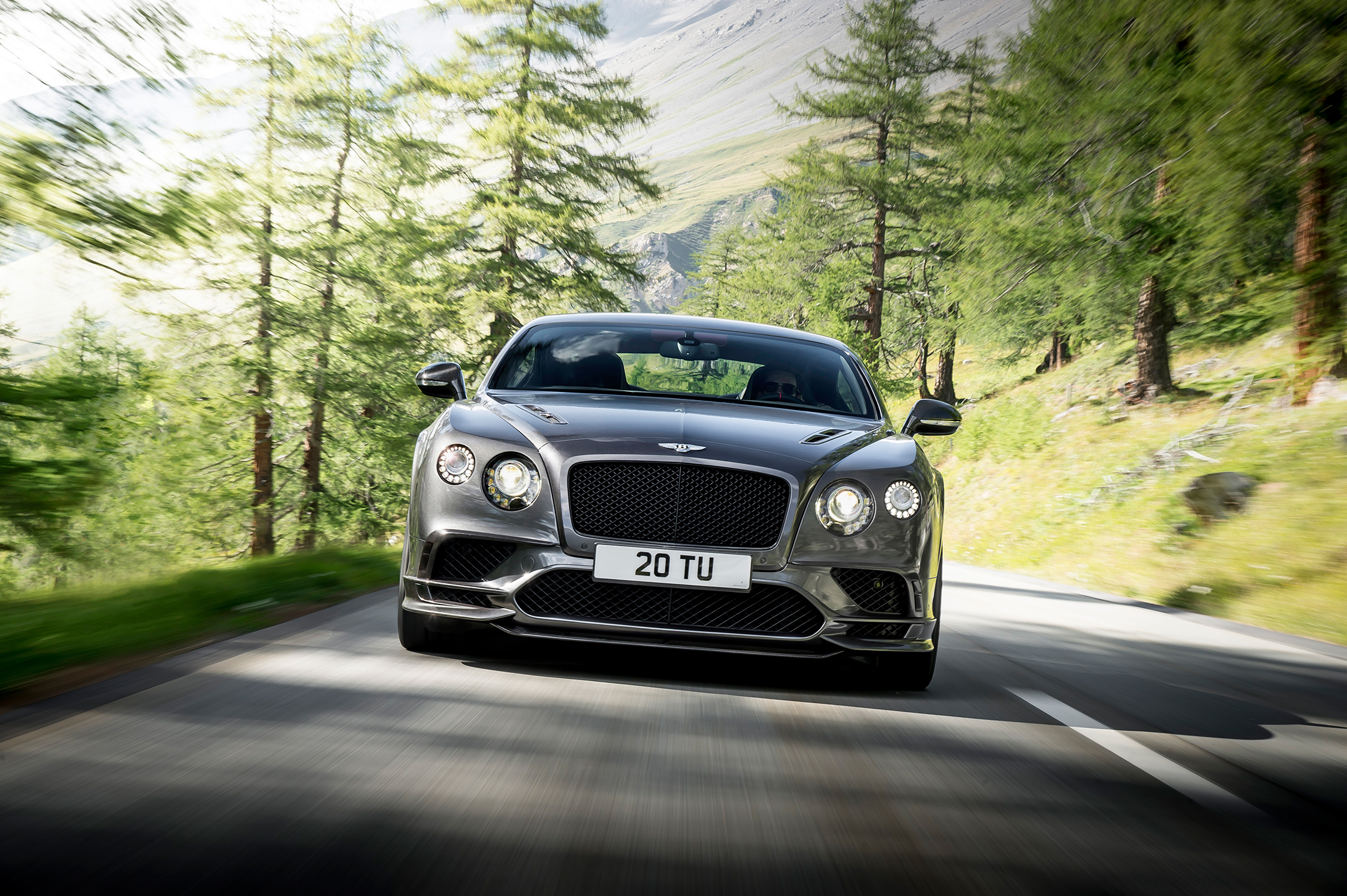 Continental Supersports - 2017 - front road