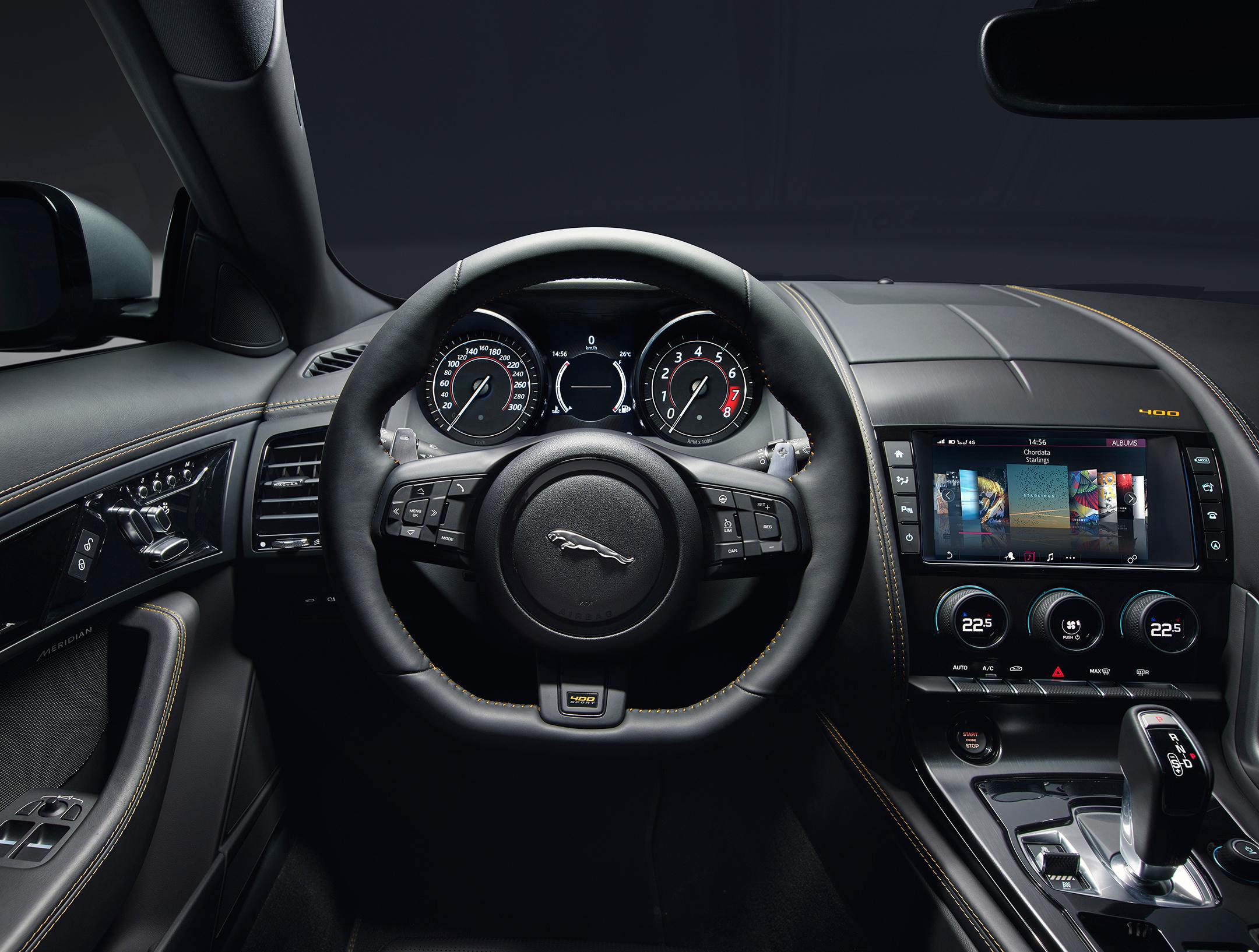 Jaguar F-TYPE 400 Sport - 2017 - onboard - interior / intérieur