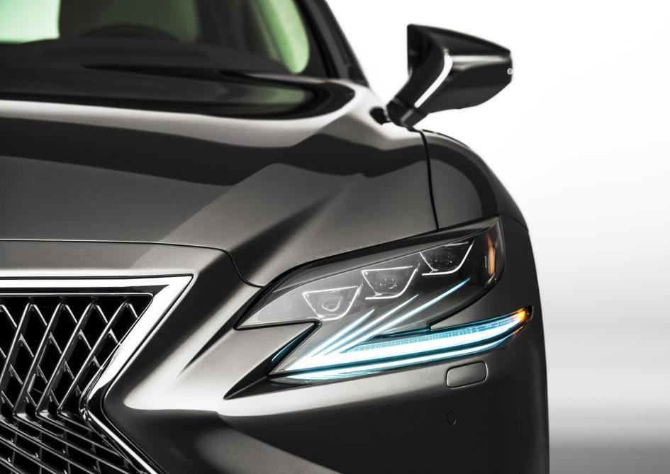 Lexus LS 500 - 2018 - front light