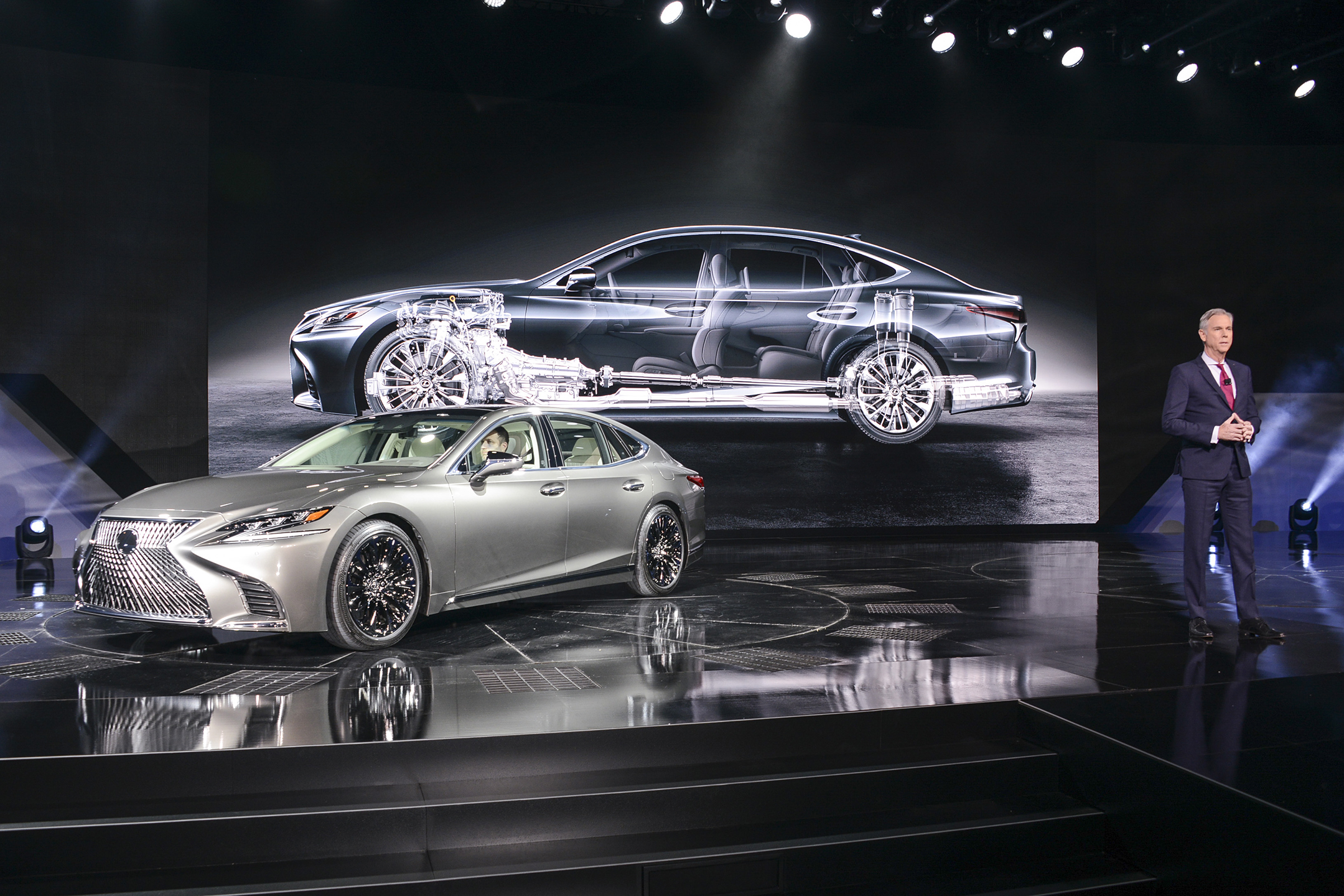 Lexus LS 500 - NAIAS 2017 - photo via naias.com
