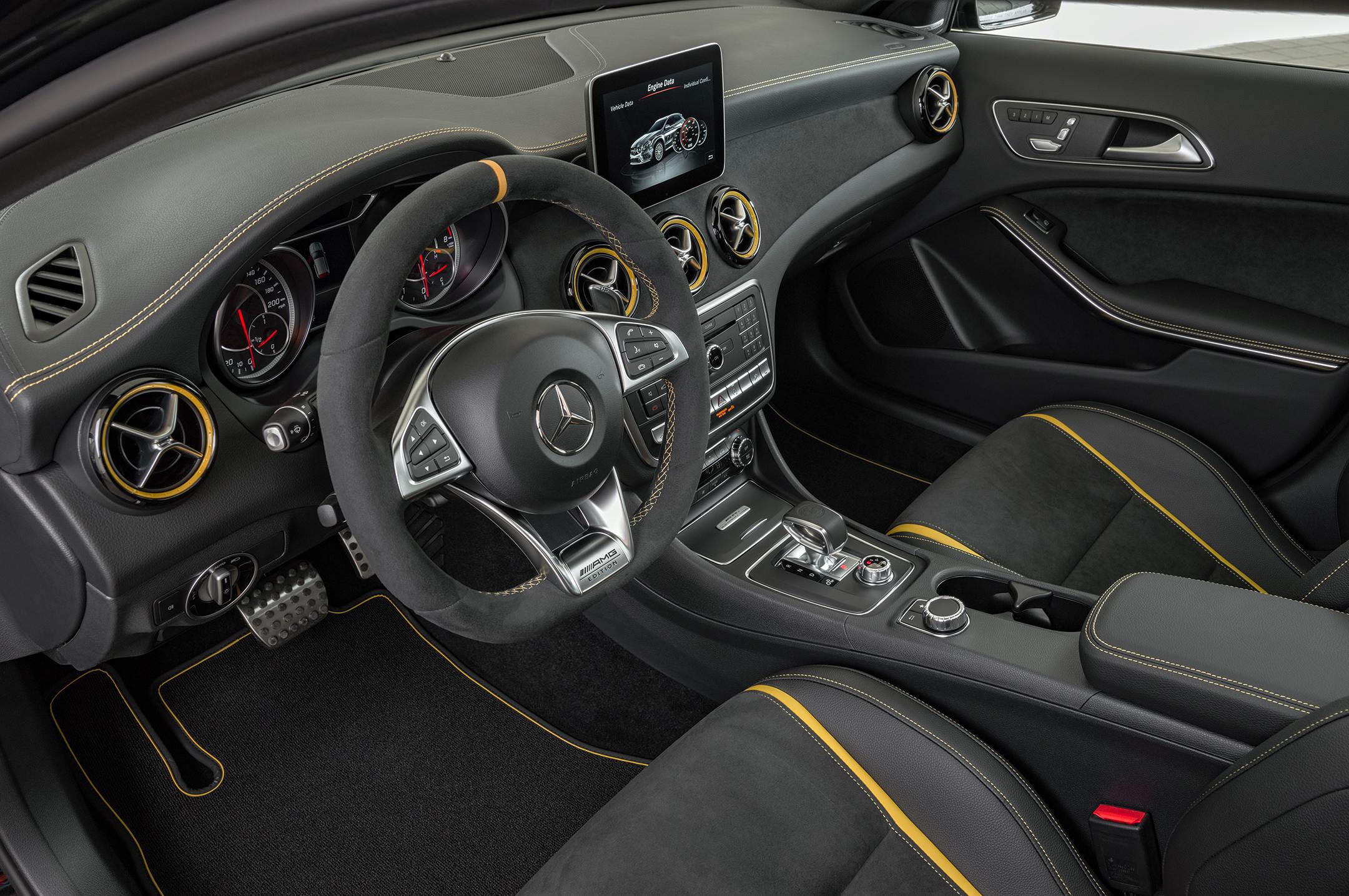 Mercedes-AMG GLA 45 - 2017 - interior / intérieur