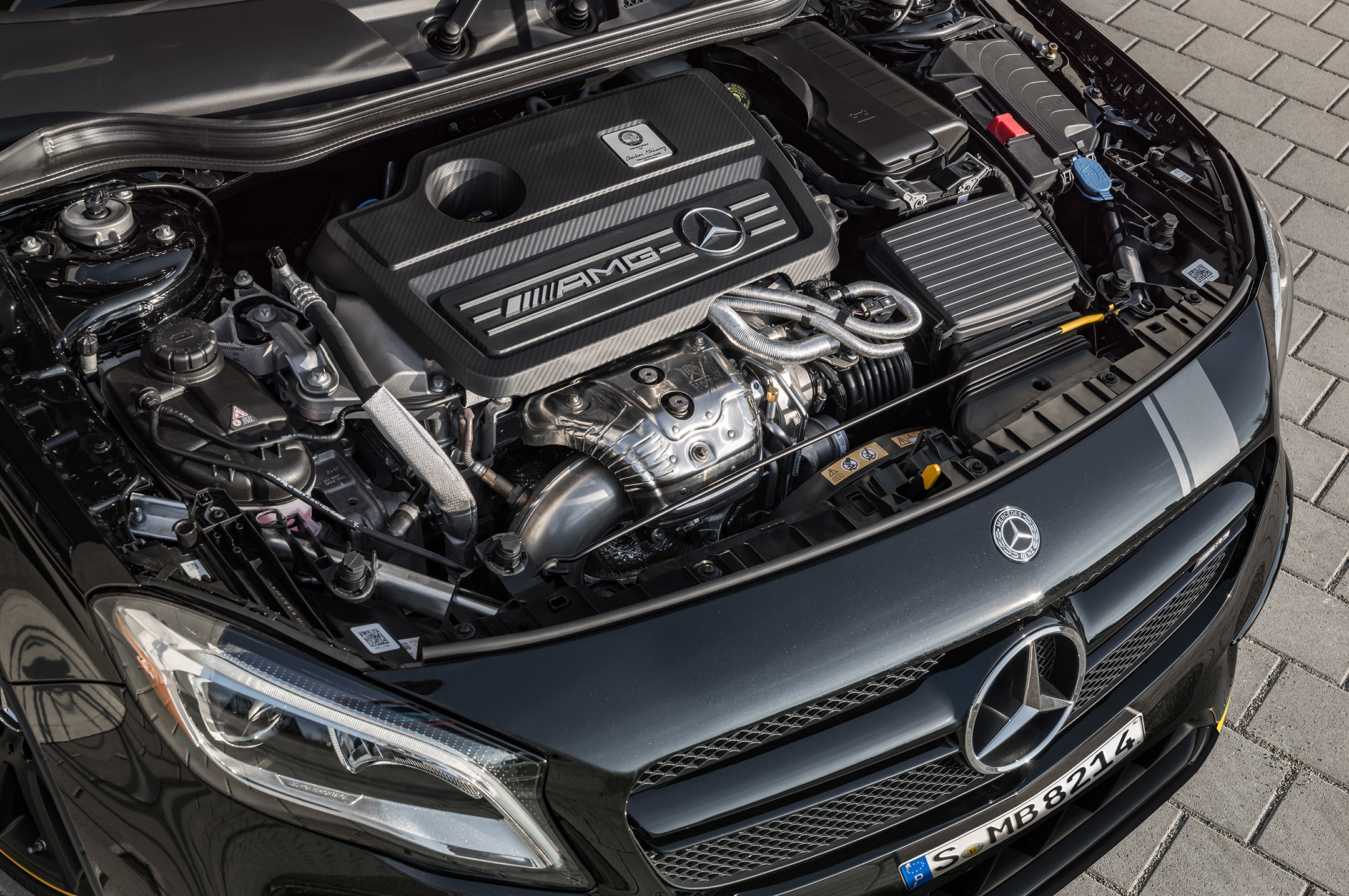 Mercedes-AMG GLA 45 - 2017 - under the hood / engine - moteur