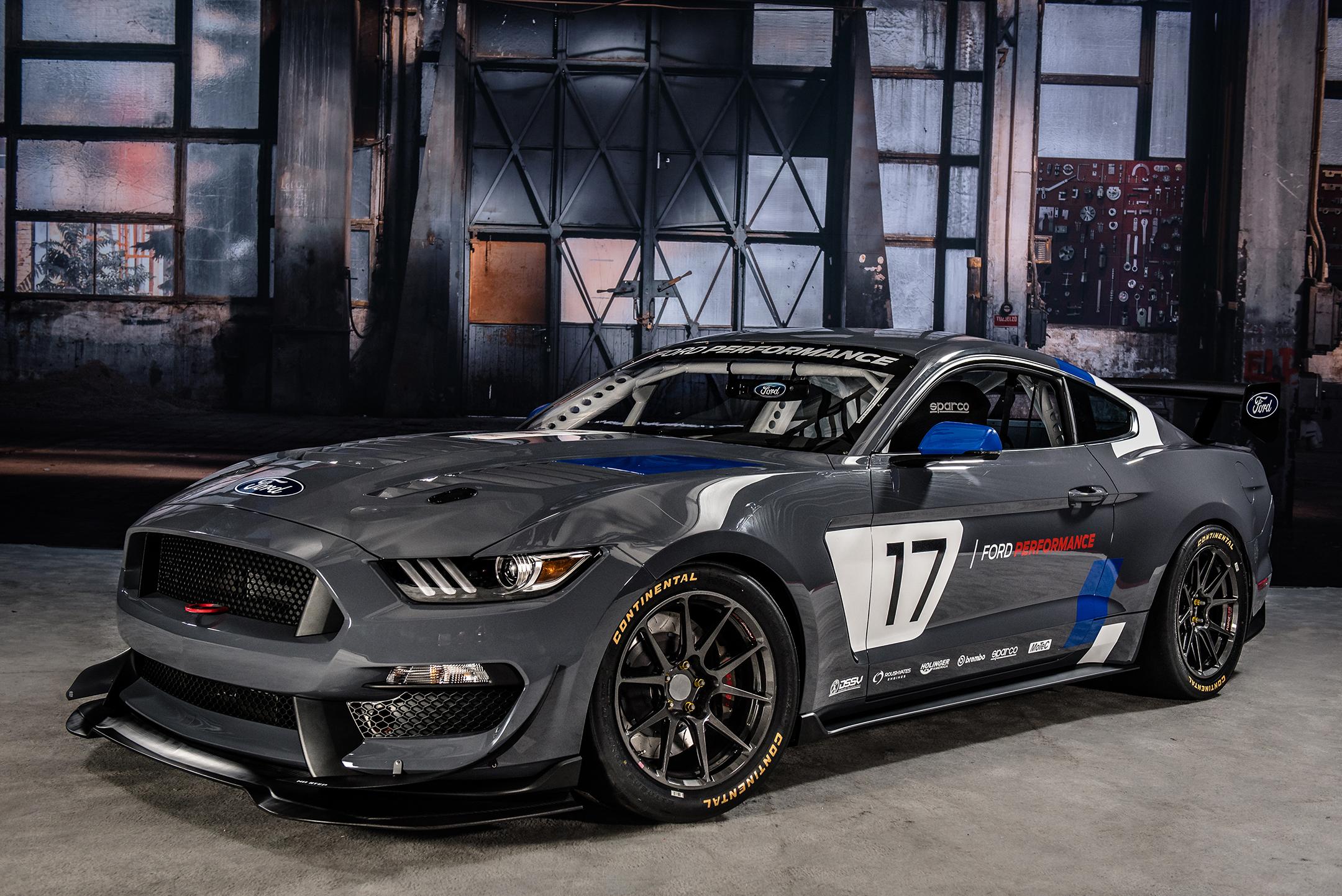 Mustang GT4 - 2017 - front / avant