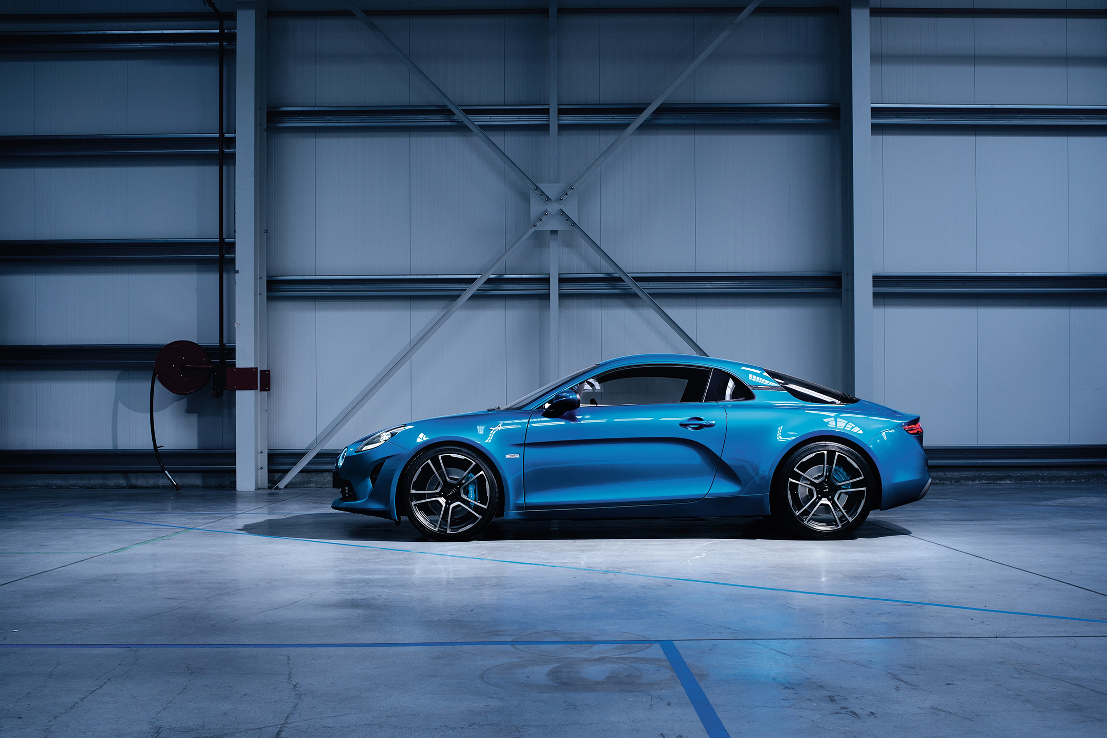 Alpine A110 - 2017 - side-face / profil
