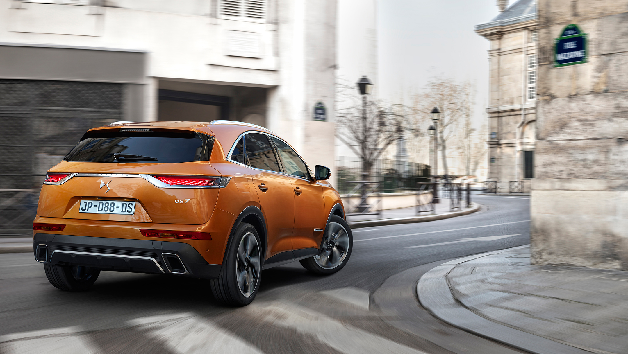 DS 7 CROSSBACK - 2017 - arrière / rear - photo rue de Paris