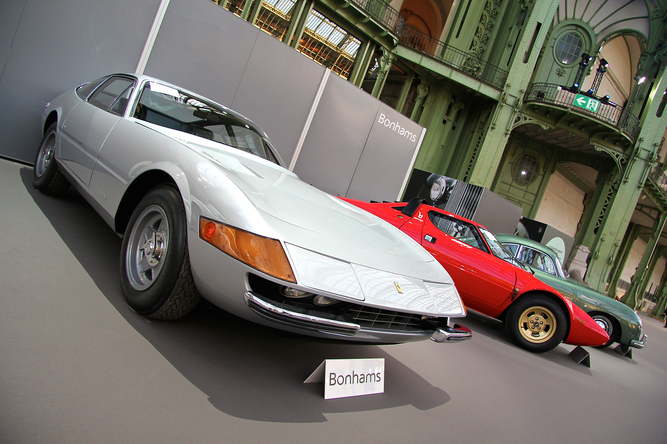 Ferrari 365 GTB/4 Daytona Berlinetta 1972 - Bonhams 2017 - hall - Grand Palais - photo - Ludo Ferrari