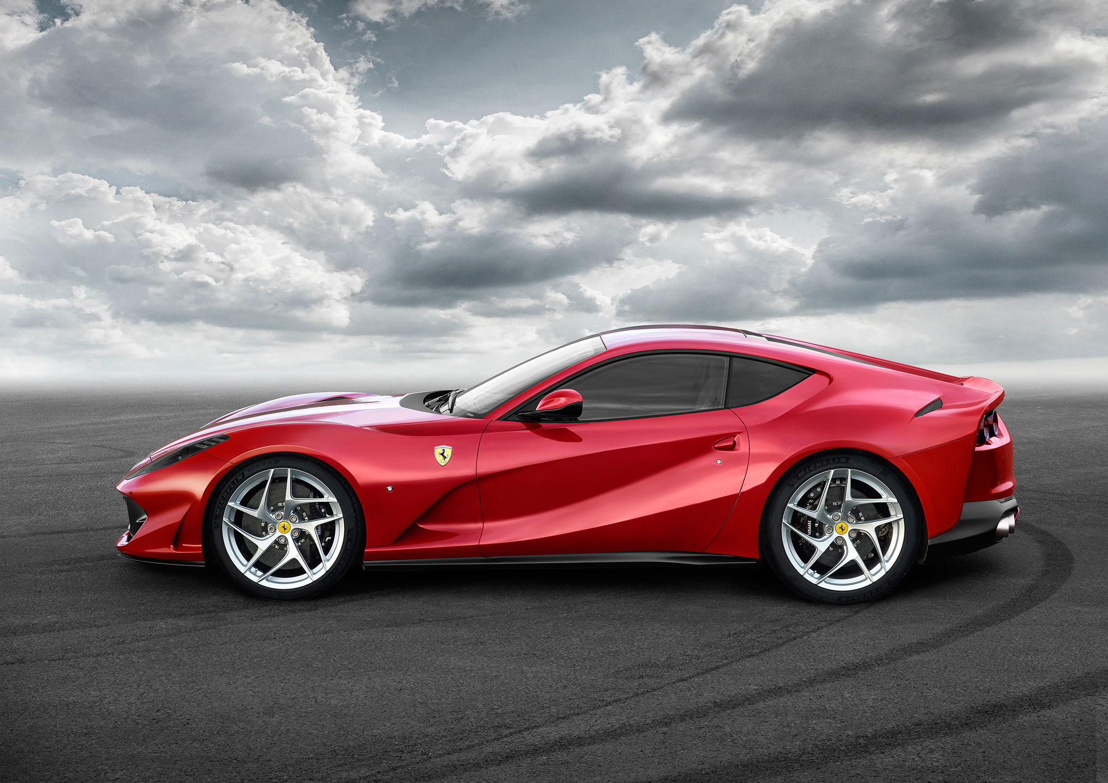 Ferrari 812 Superfast - 2017 - profil / side-face