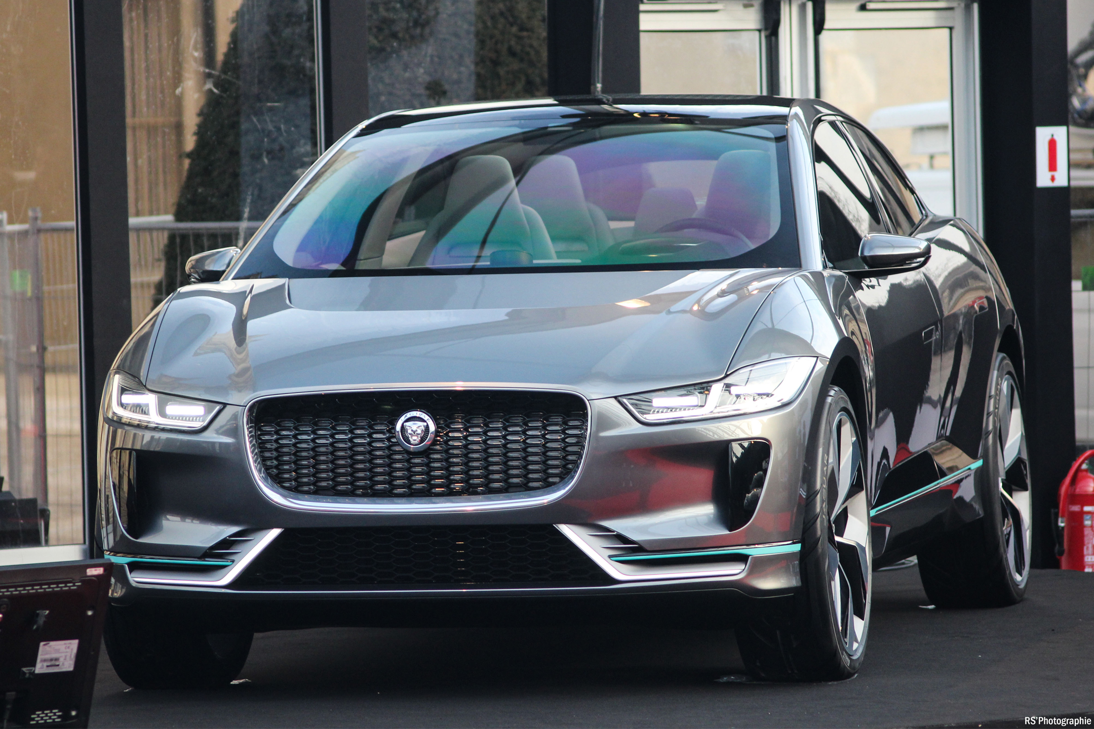 Jaguar I-PACE - 2016 - front - FAI 2017 - photo by Arnaud Demasier RS Photographie