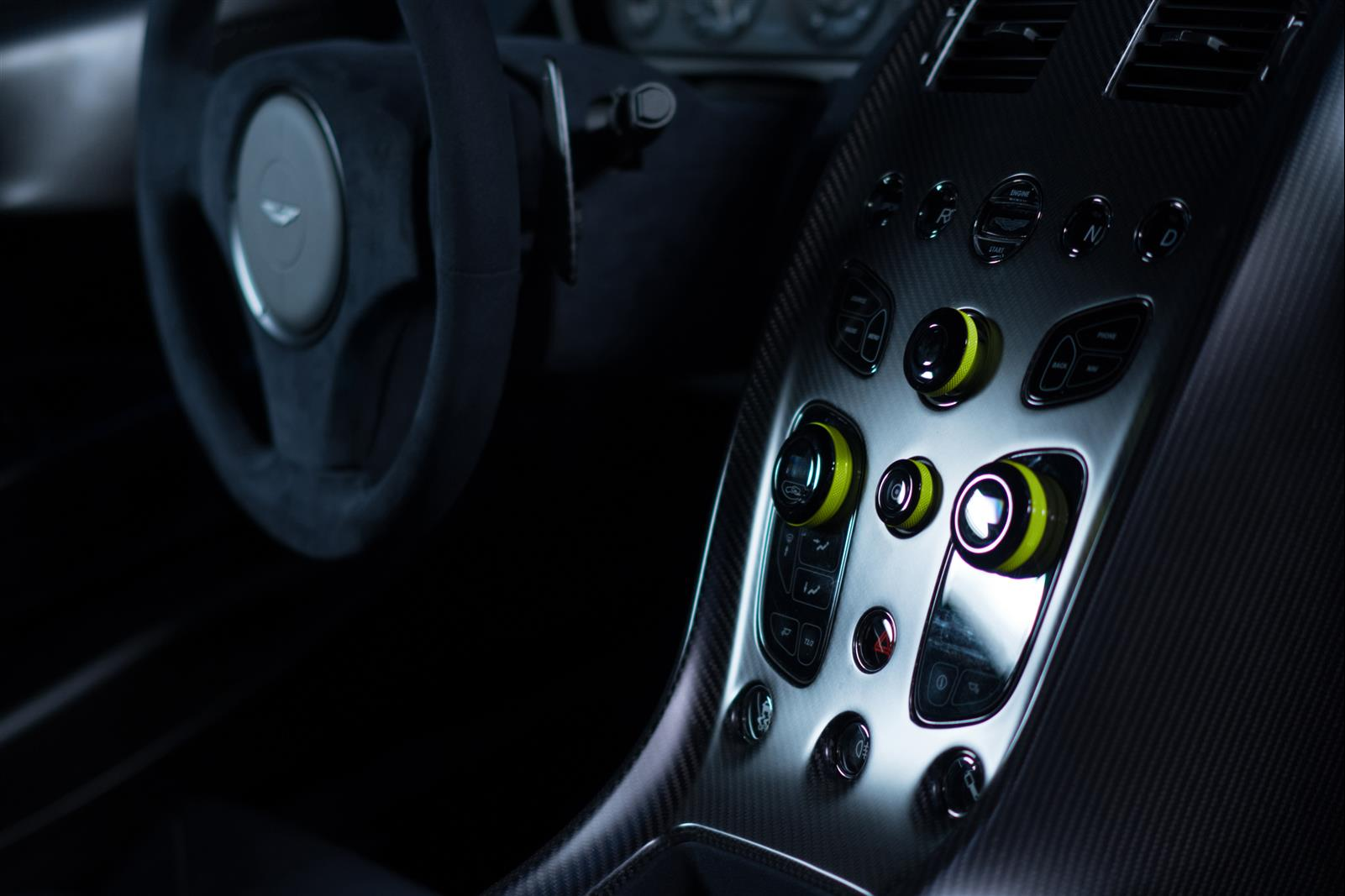 Aston Martin Rapide AMR - 2017 - driving wheel