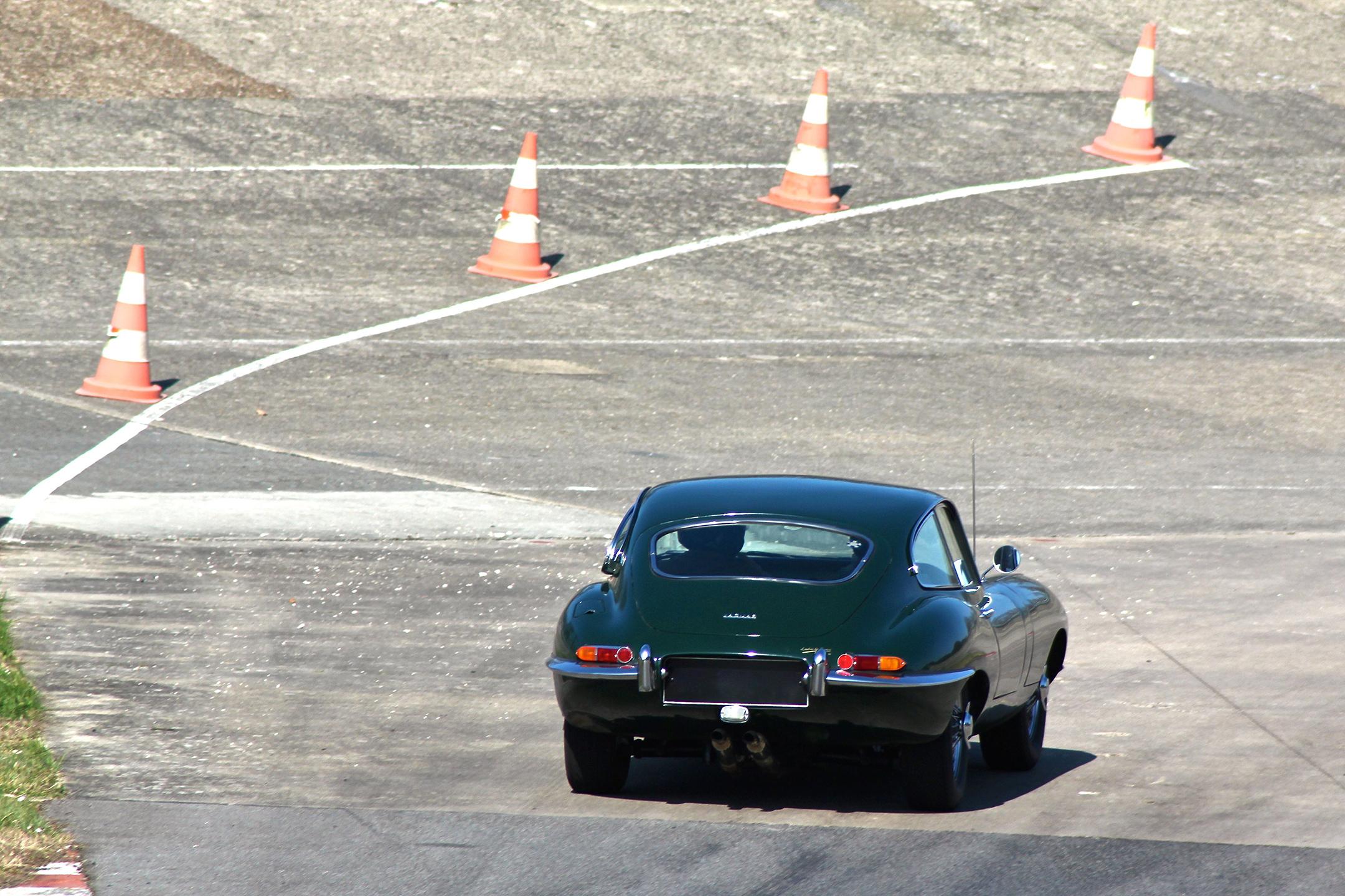 Jaguar Type E - rear / arrière - Coupes de Printemps 2017 - photo Ludo Ferrari