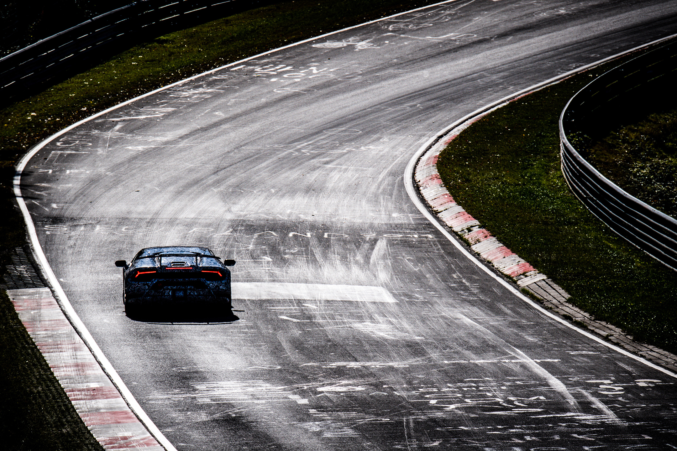 Lamborghini Huracan-Performante - rear track - Nürburgring - photo