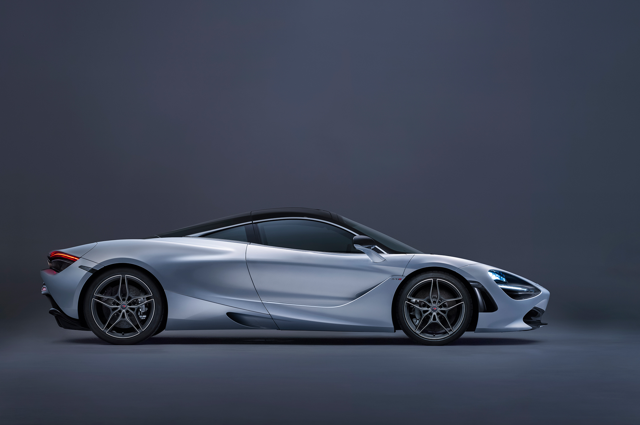 McLaren 720S - 2017 - side-face / profil