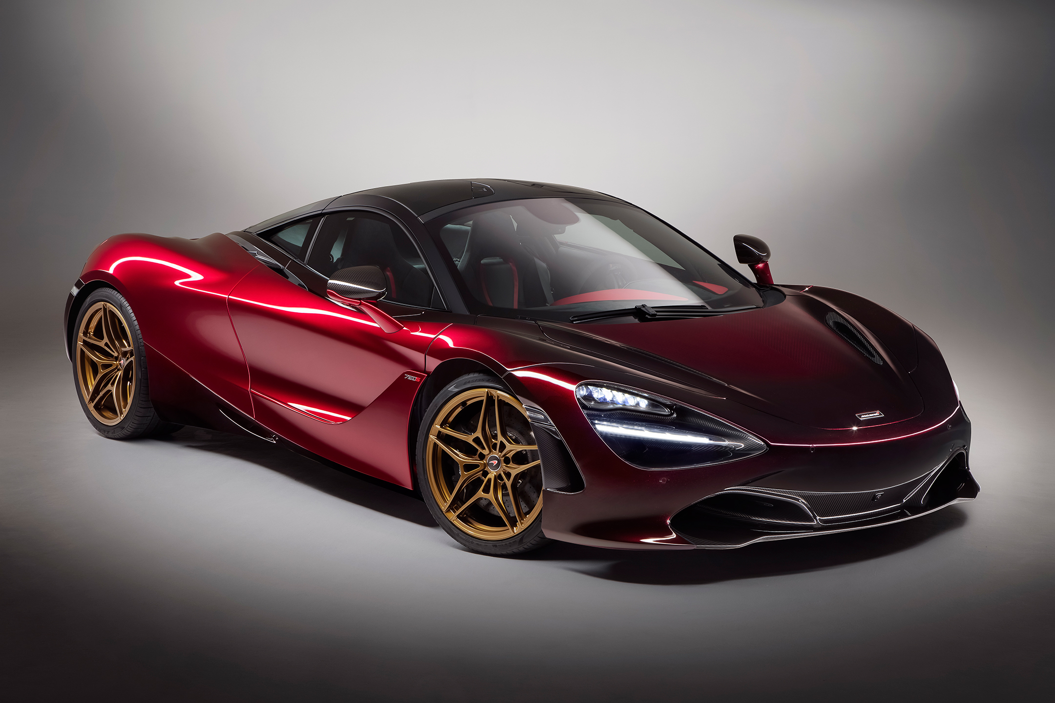 McLaren 720S MSO Velocity - 2017 - front side-face / profil avant - Red