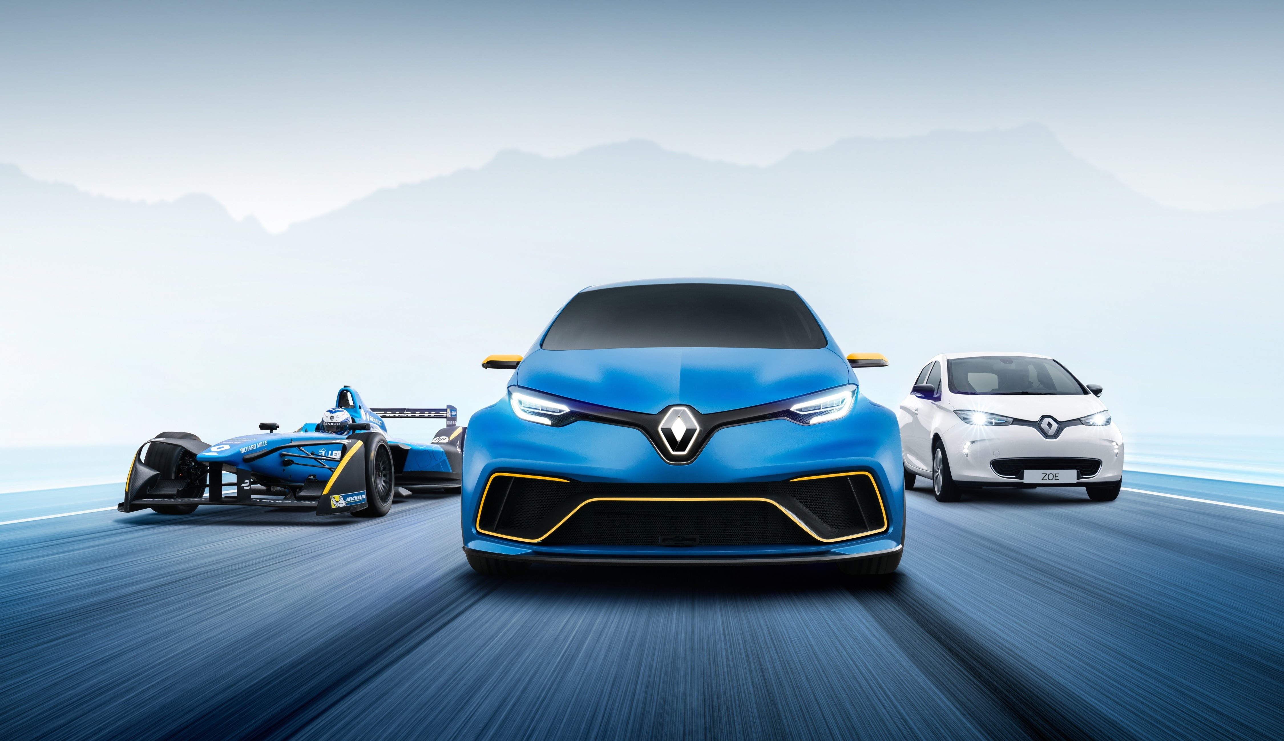 Renault ZOE e-Sport Concept - 2017 - speed front-face