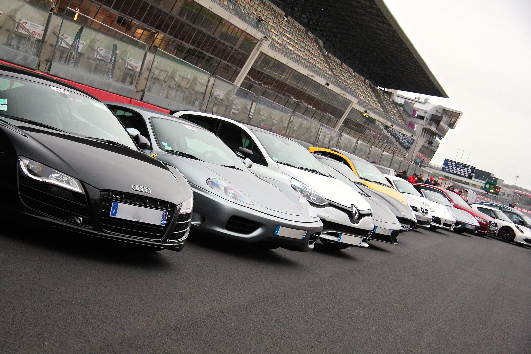 front-hood grid start - Car and-coffee - club EAP - Exclusive Drive 2017 - photo Ludo FerrariPhoto-Ludo-Ferrari
