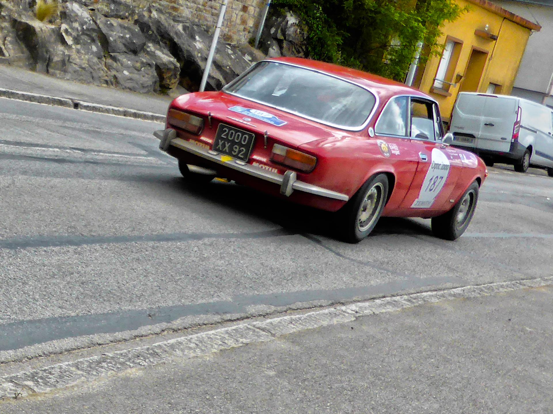 Alfa Romeo 2000 GTV - 1971 - Tour Auto 2017 - photo by ELJ - DESIGNMOTEUR