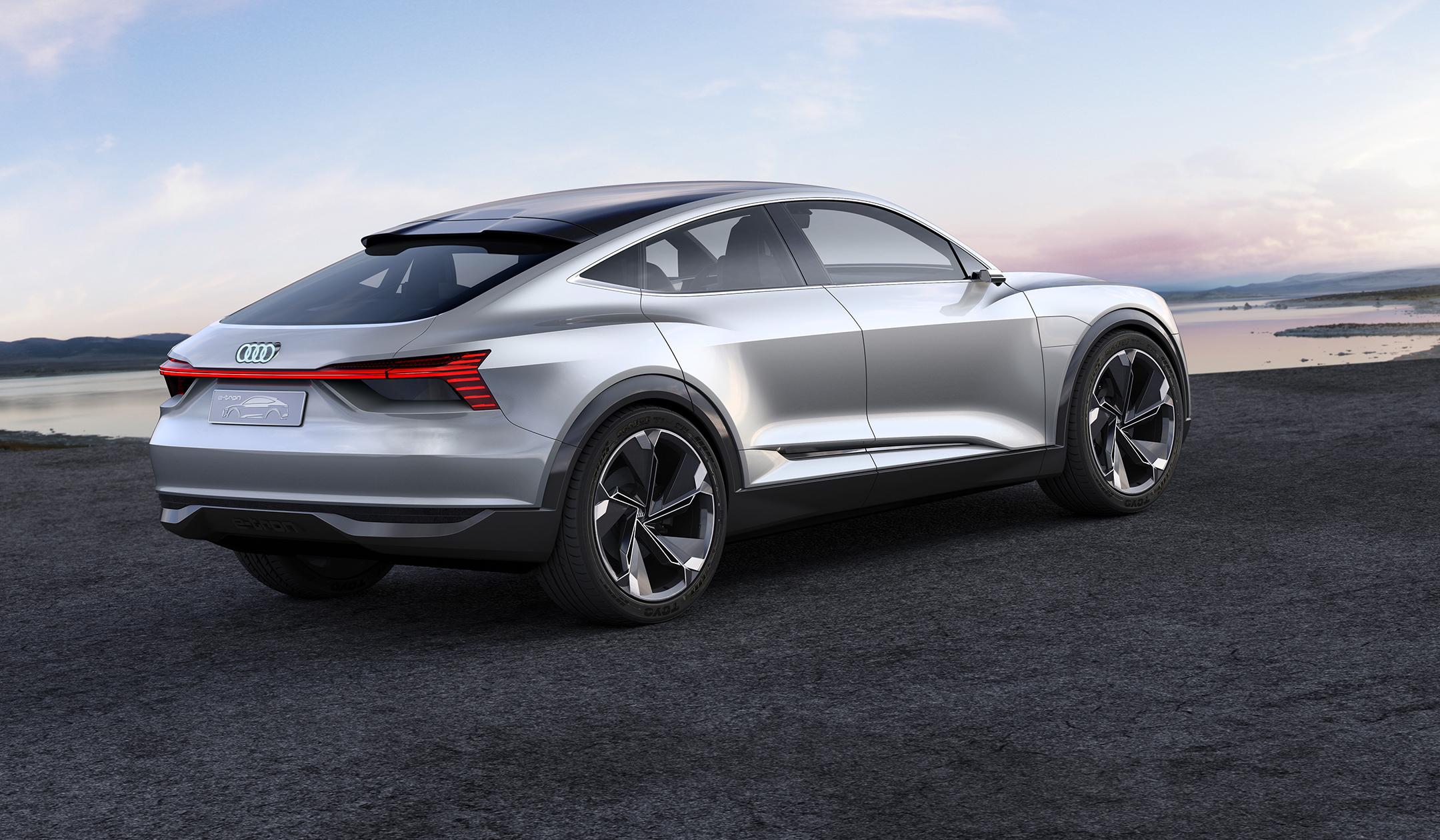 Audi e-tron Sportback concept - 2017 - rear side-face / profil arrière