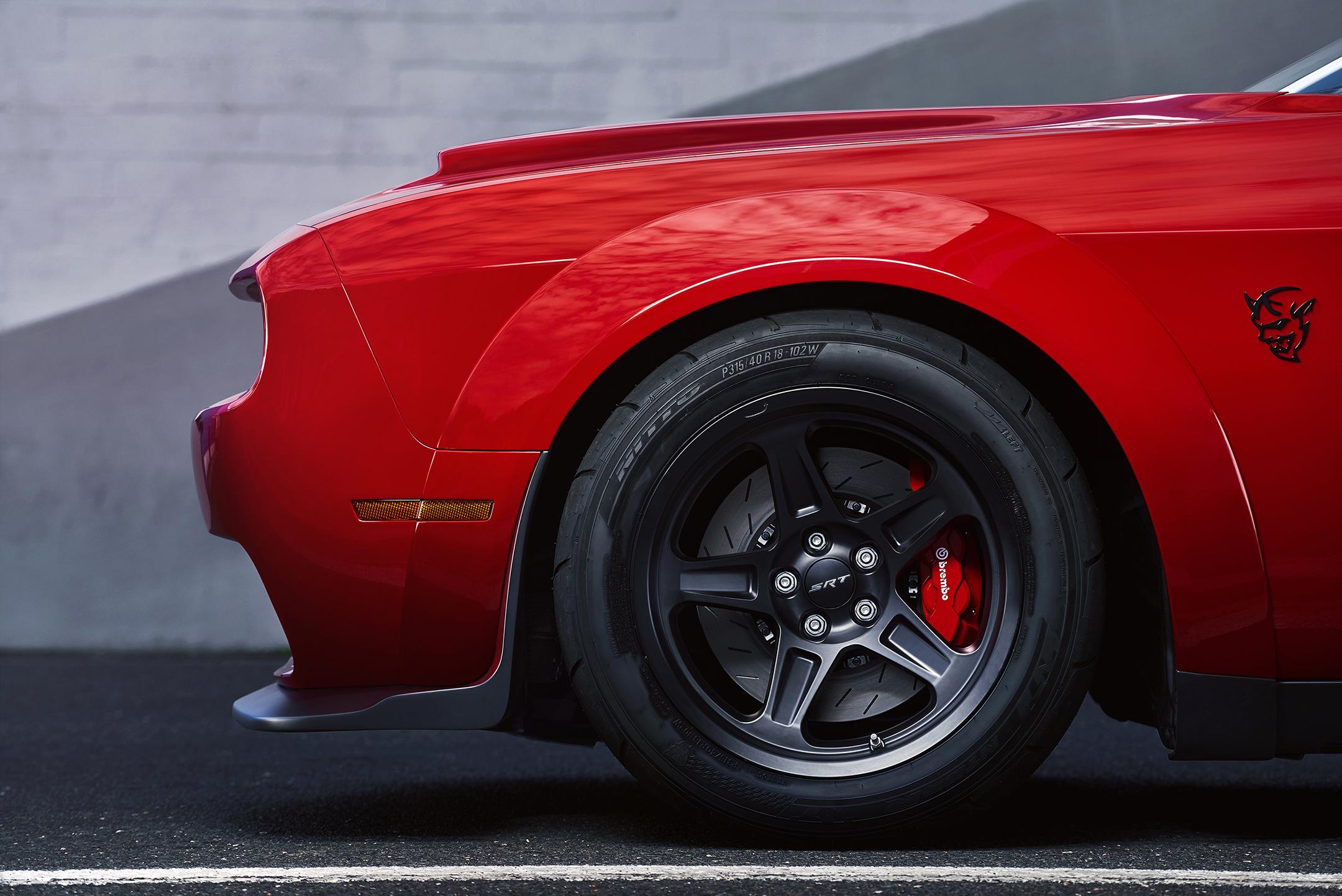 Dodge Challenger SRT Demon : 840hp supercharged 6 2L HEMI V8