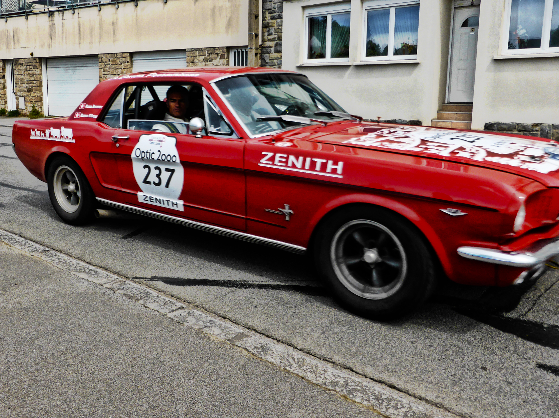Ford Mustang - Swiss red livery - 1965 - Tour Auto 2017 - photo by ELJ - DESIGNMOTEUR