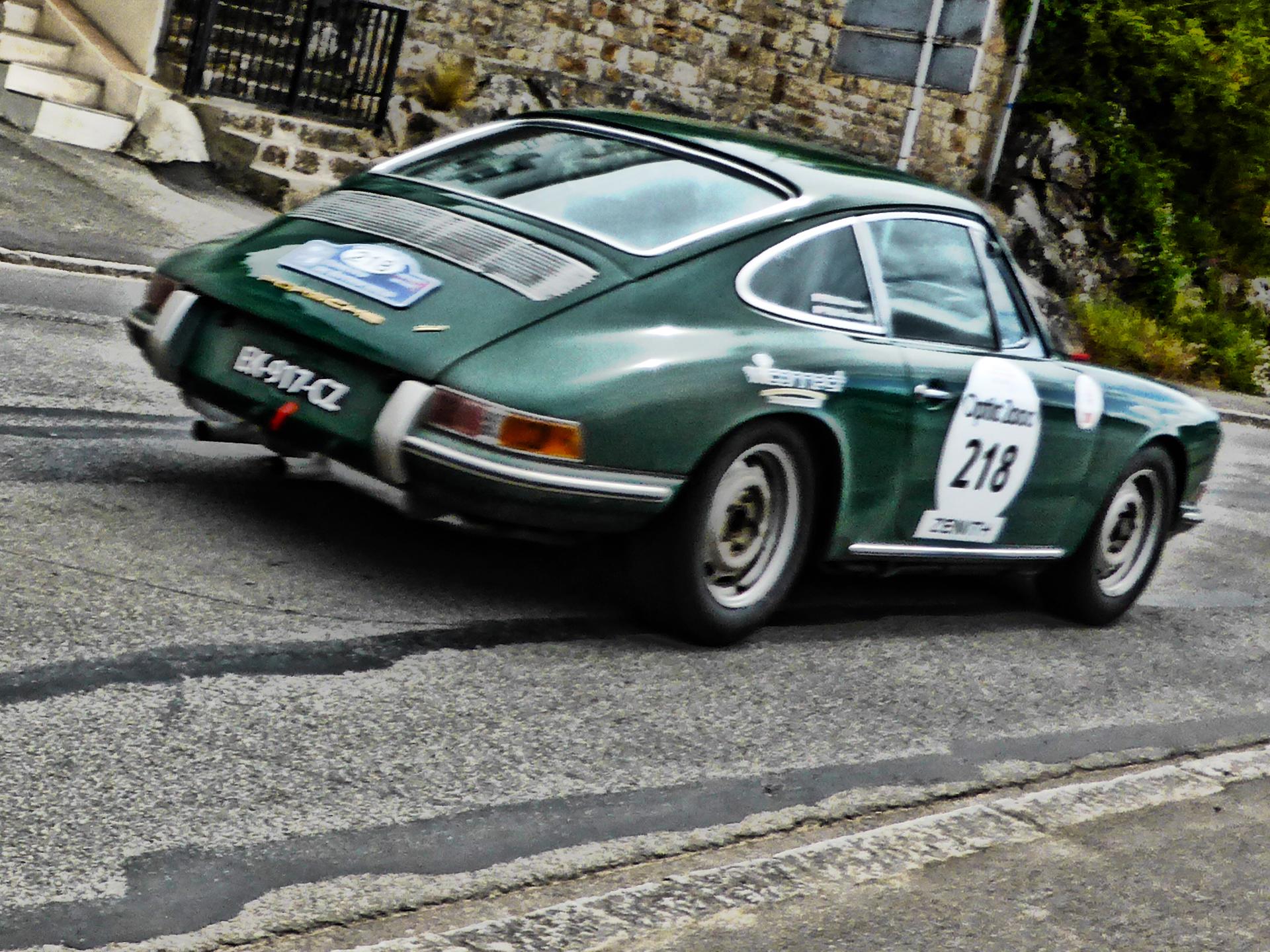 Porsche 911 2.0l - 1965 - Tour Auto 2017 - photo by ELJ - DESIGNMOTEUR