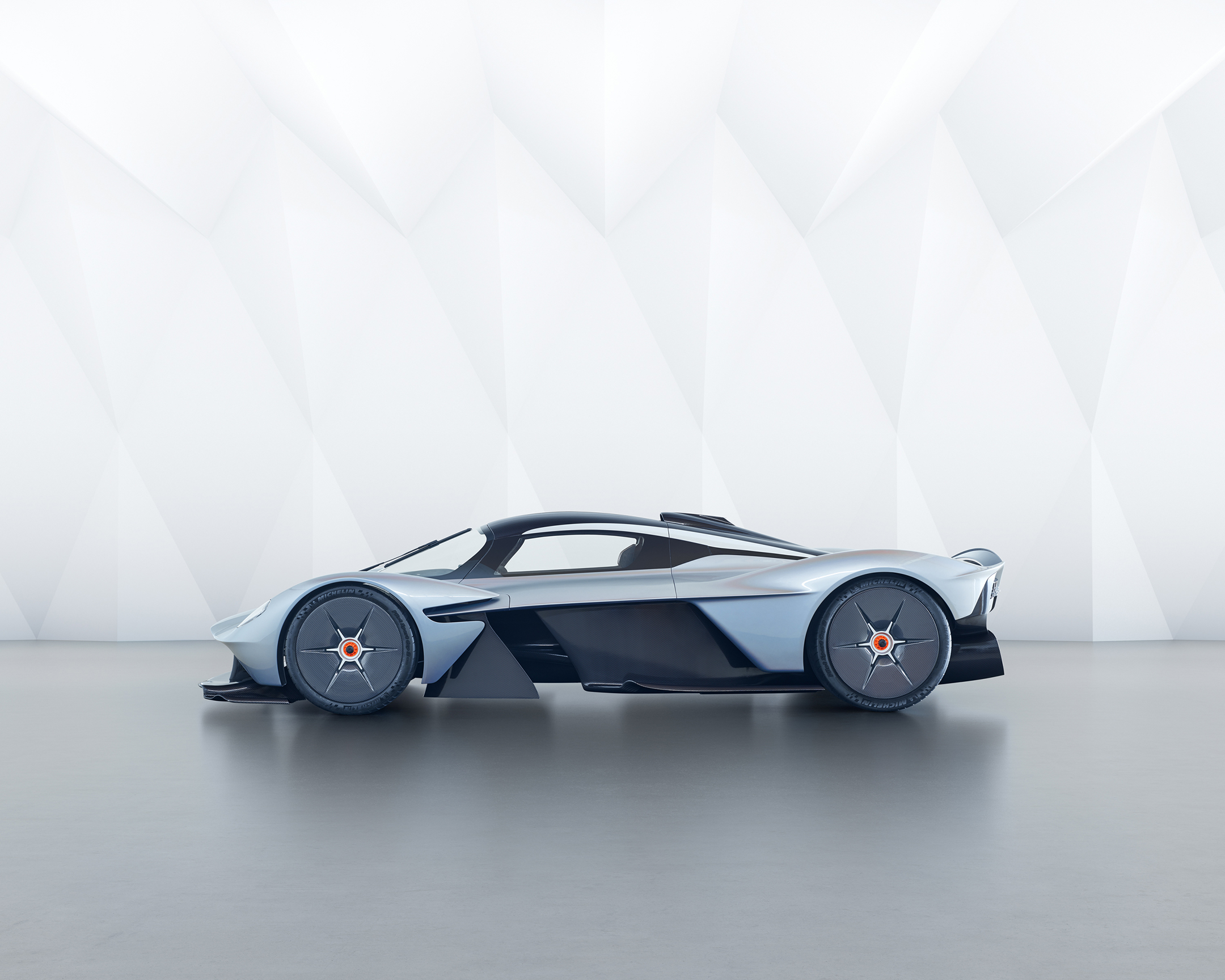 Aston Martin Valkyrie - 2017 - side-face / profil