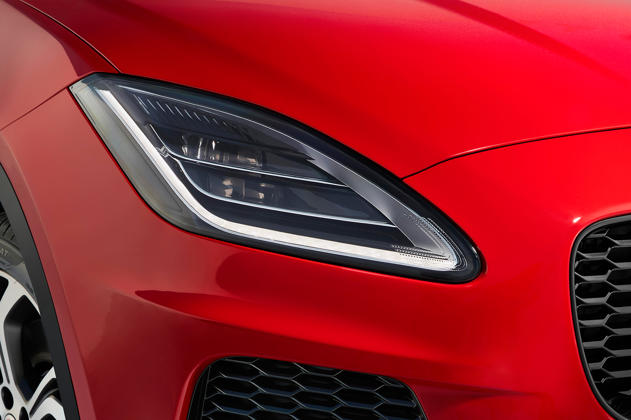 Jaguar E-PACE - 2017 - front light