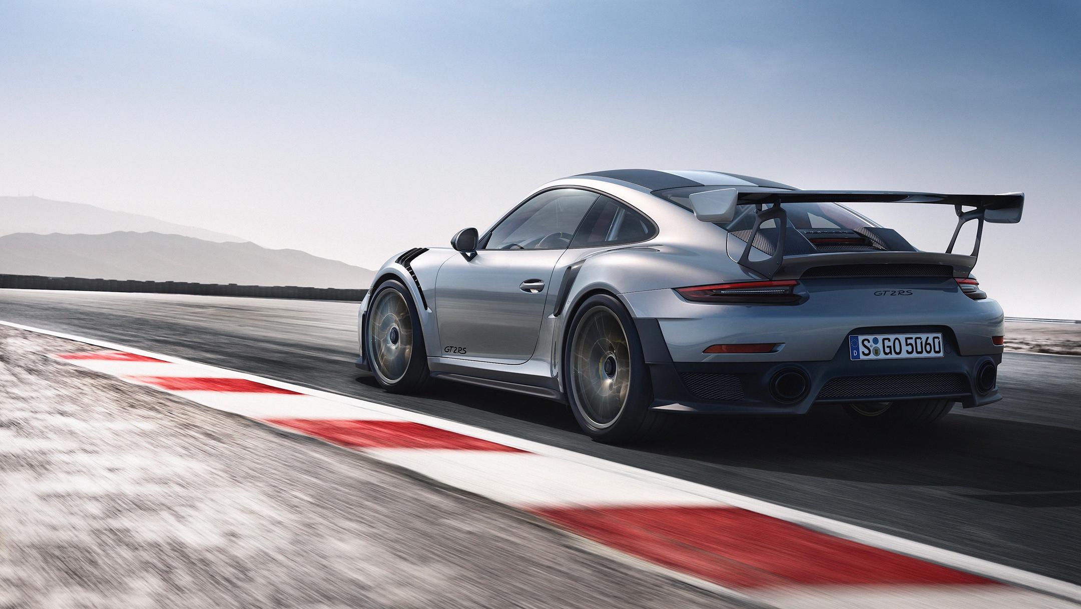 Porsche 911 GT2 RS - 2017 - rear track