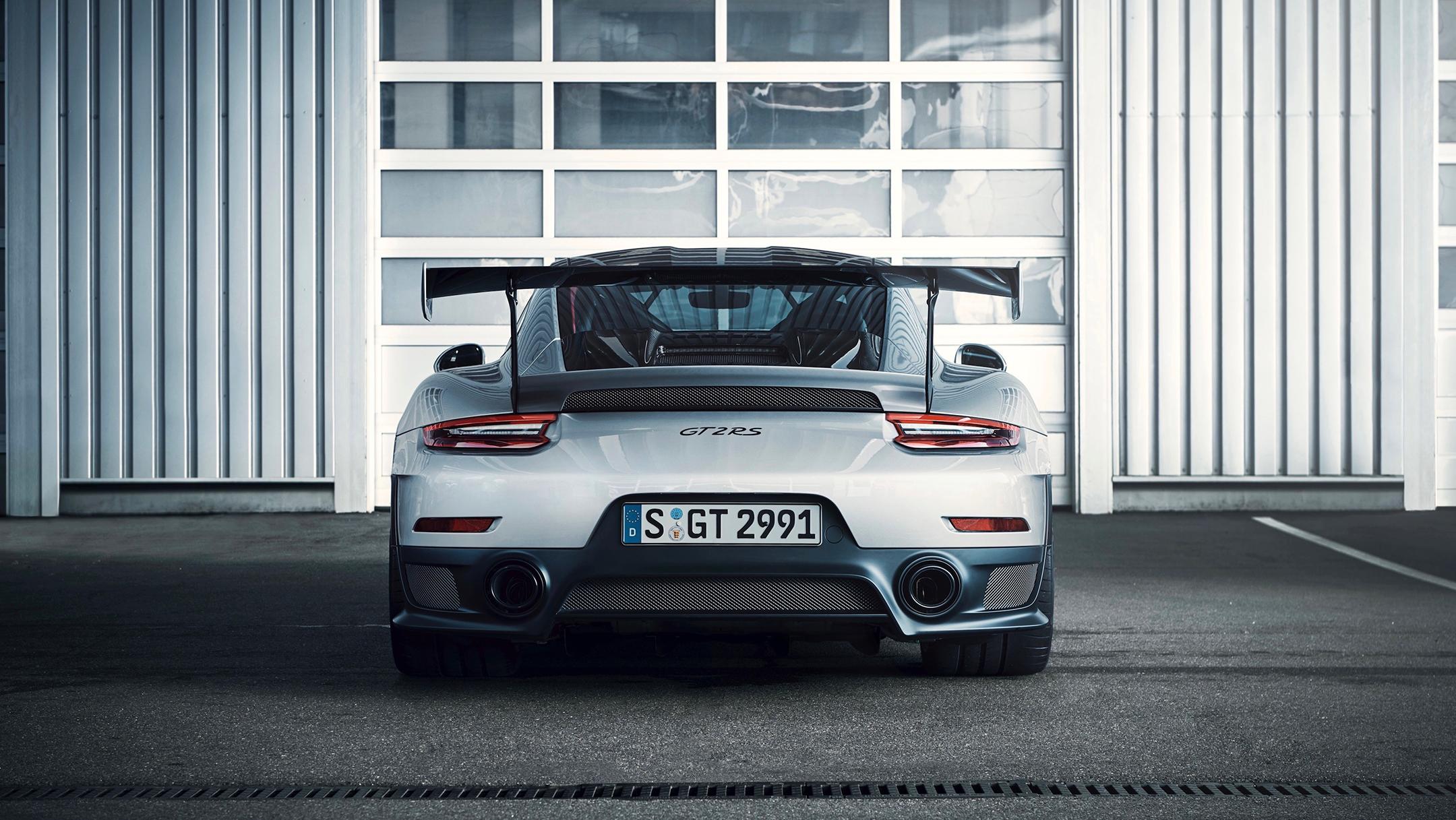 Porsche 911 GT2 RS - 2017 - rear / arrière