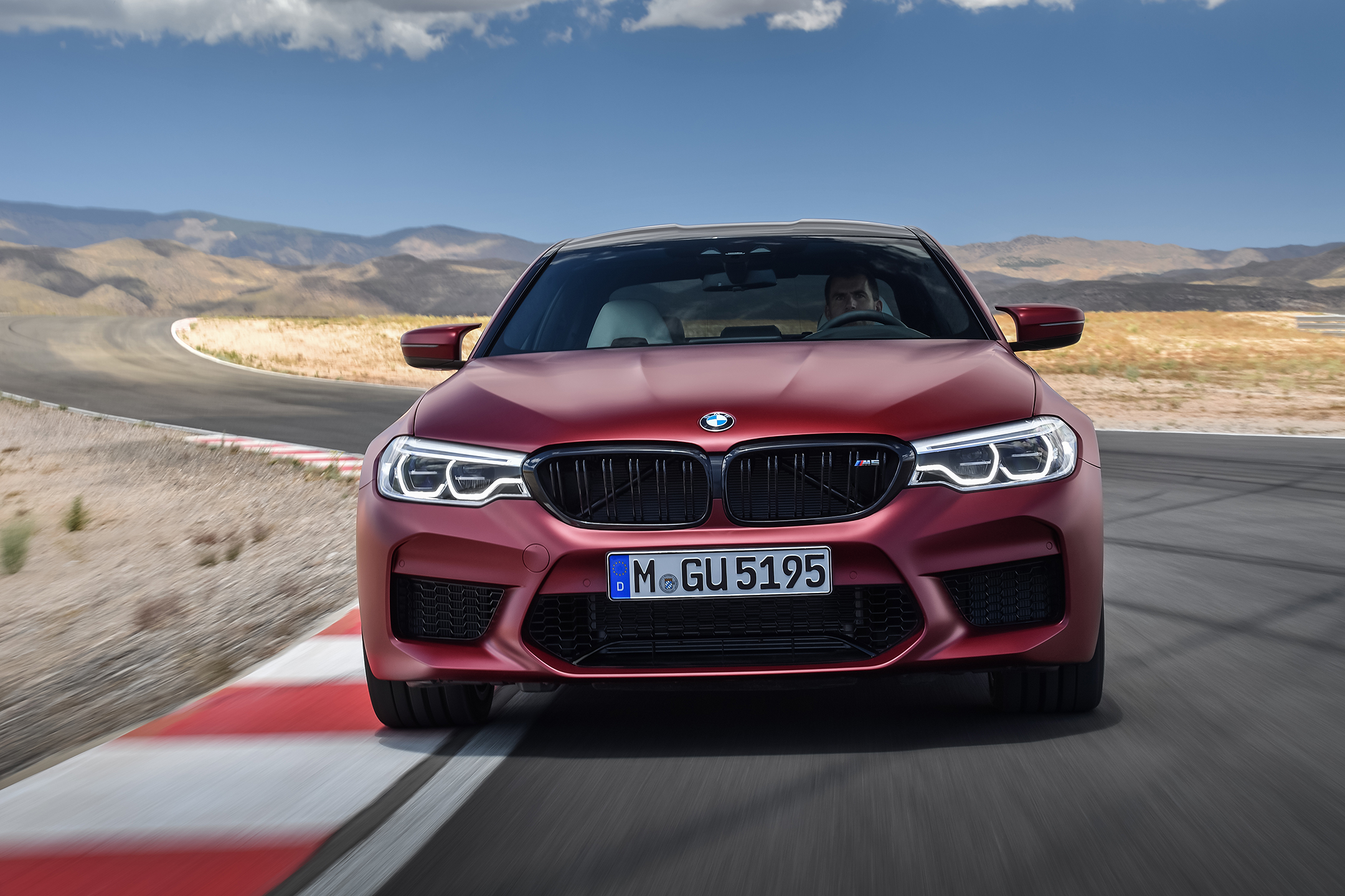 BMW M5 F90 - 2017 - front track