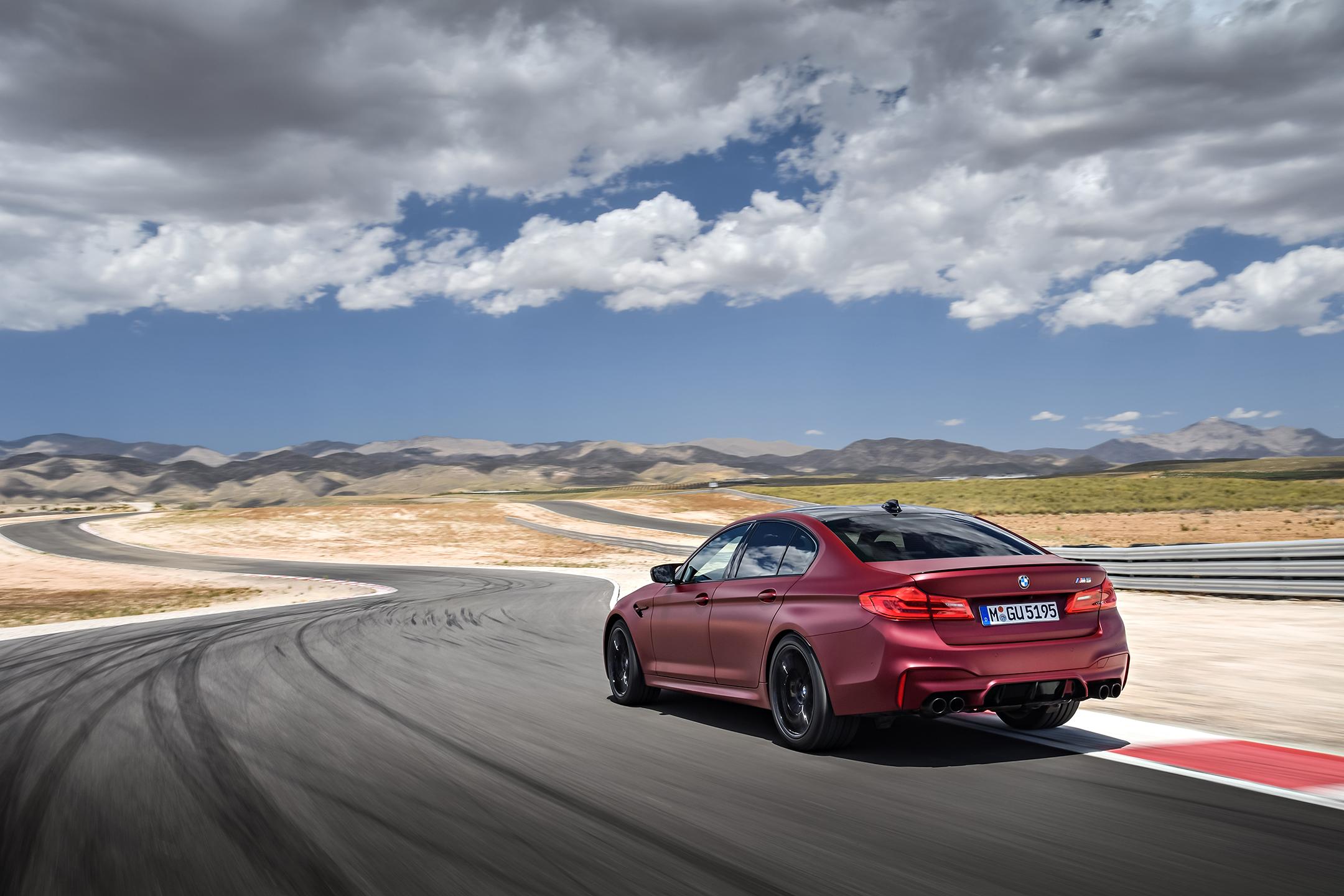 BMW M5 F90 - 2017 - rear track
