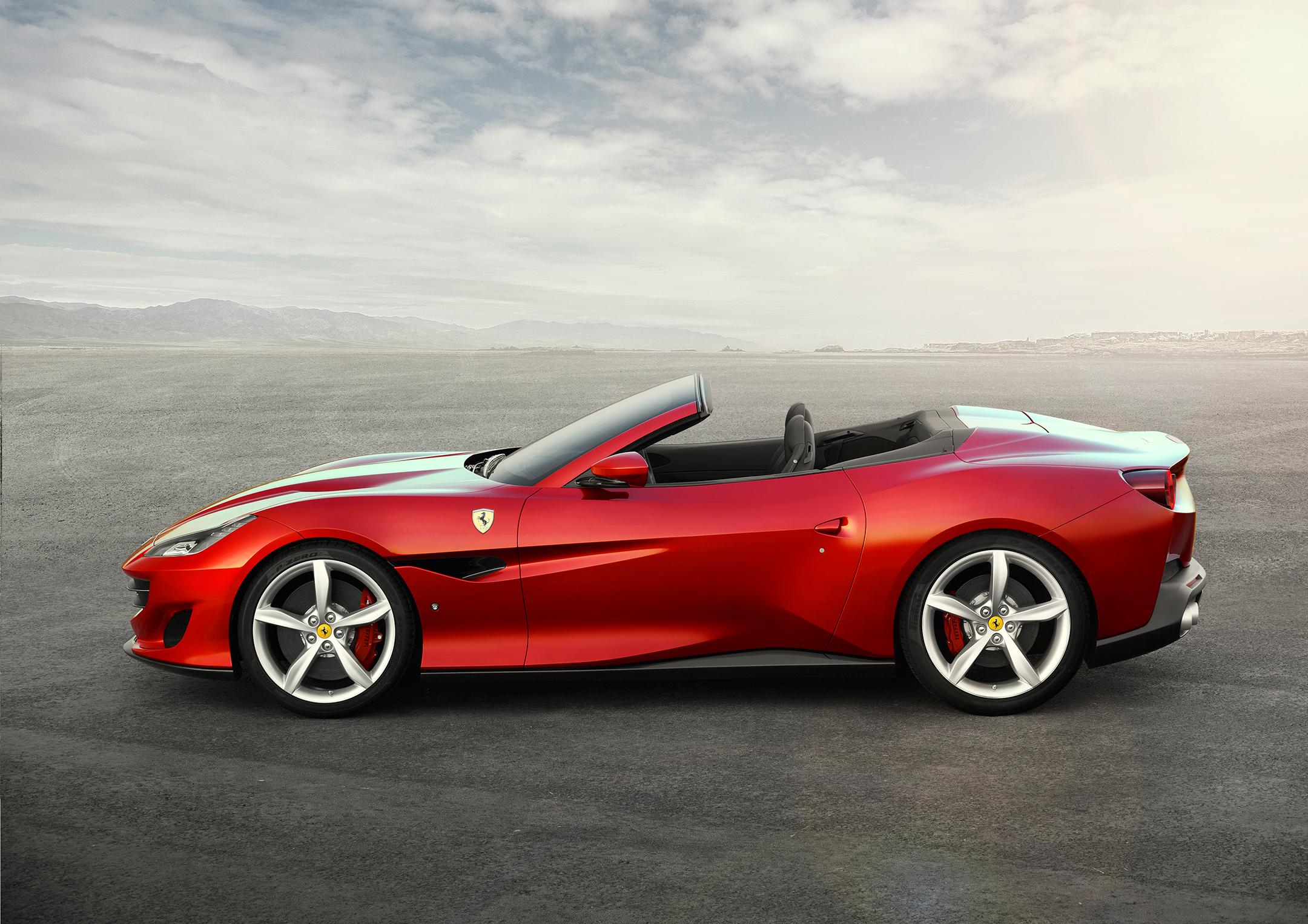Ferrari Portofino - 2017 - cabriolet - open top - side-face / profil - toit ouvert