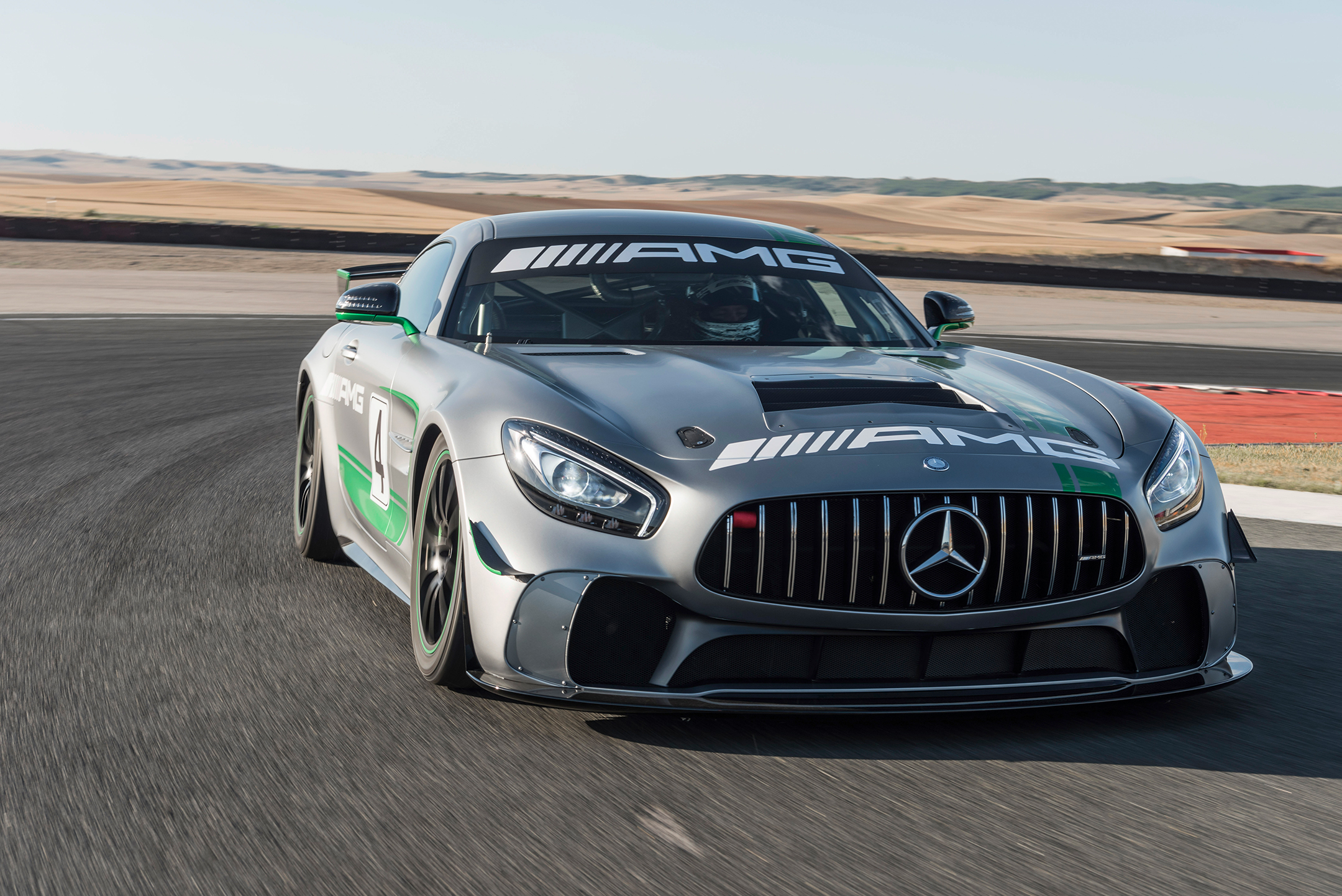 Mercedes-AMG GT4 - 2017 - front track
