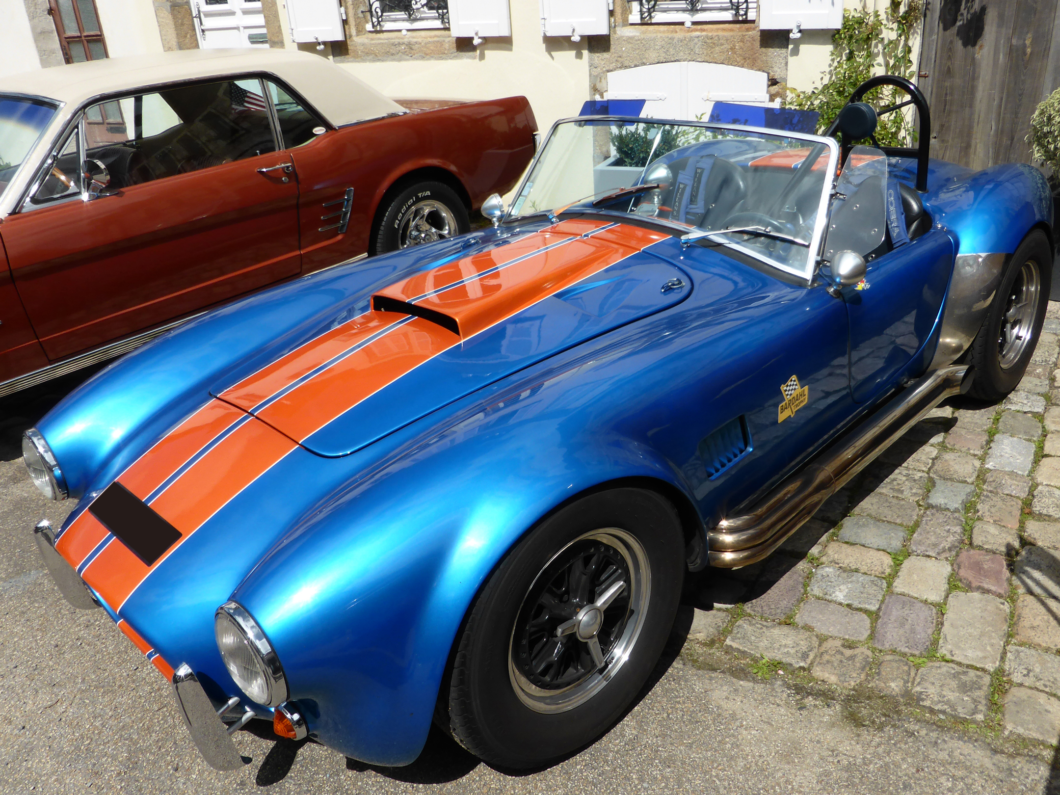 Shelby Cobra 427 S/C - Blue With Orange Stripes - 1965 - front side-face - US Cars and Bikes 2017 - Photo by ELJ