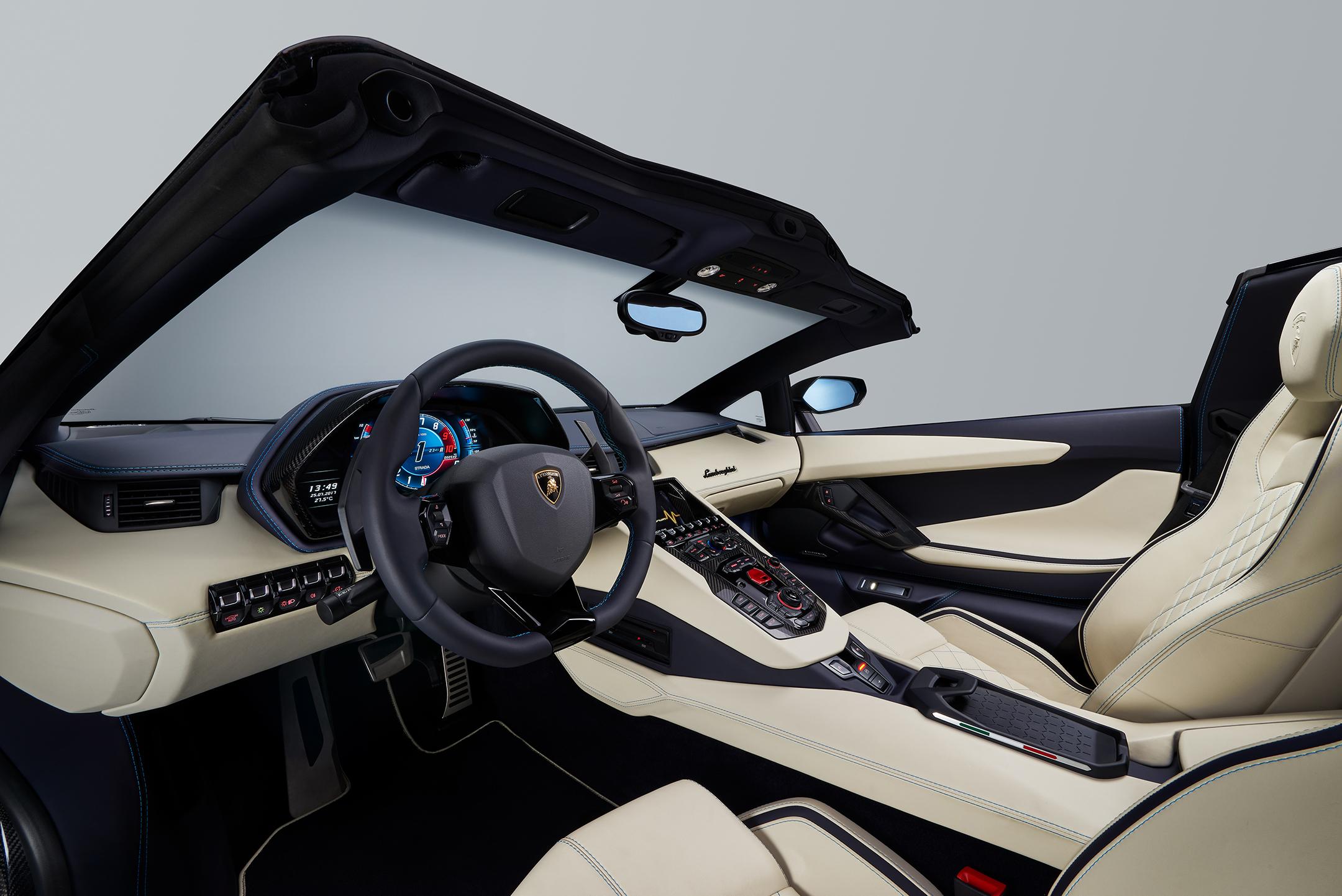 Lamborghini Aventador S Roadster - 2017 - interior / intérieur