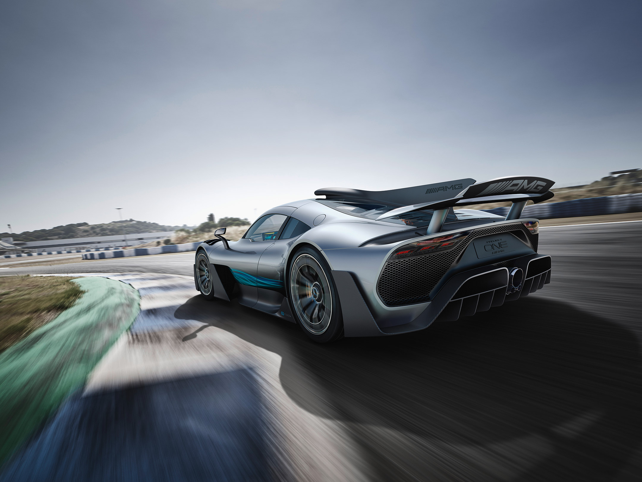 Mercedes-AMG Project ONE - 2017 - rear side-face / profil arrière