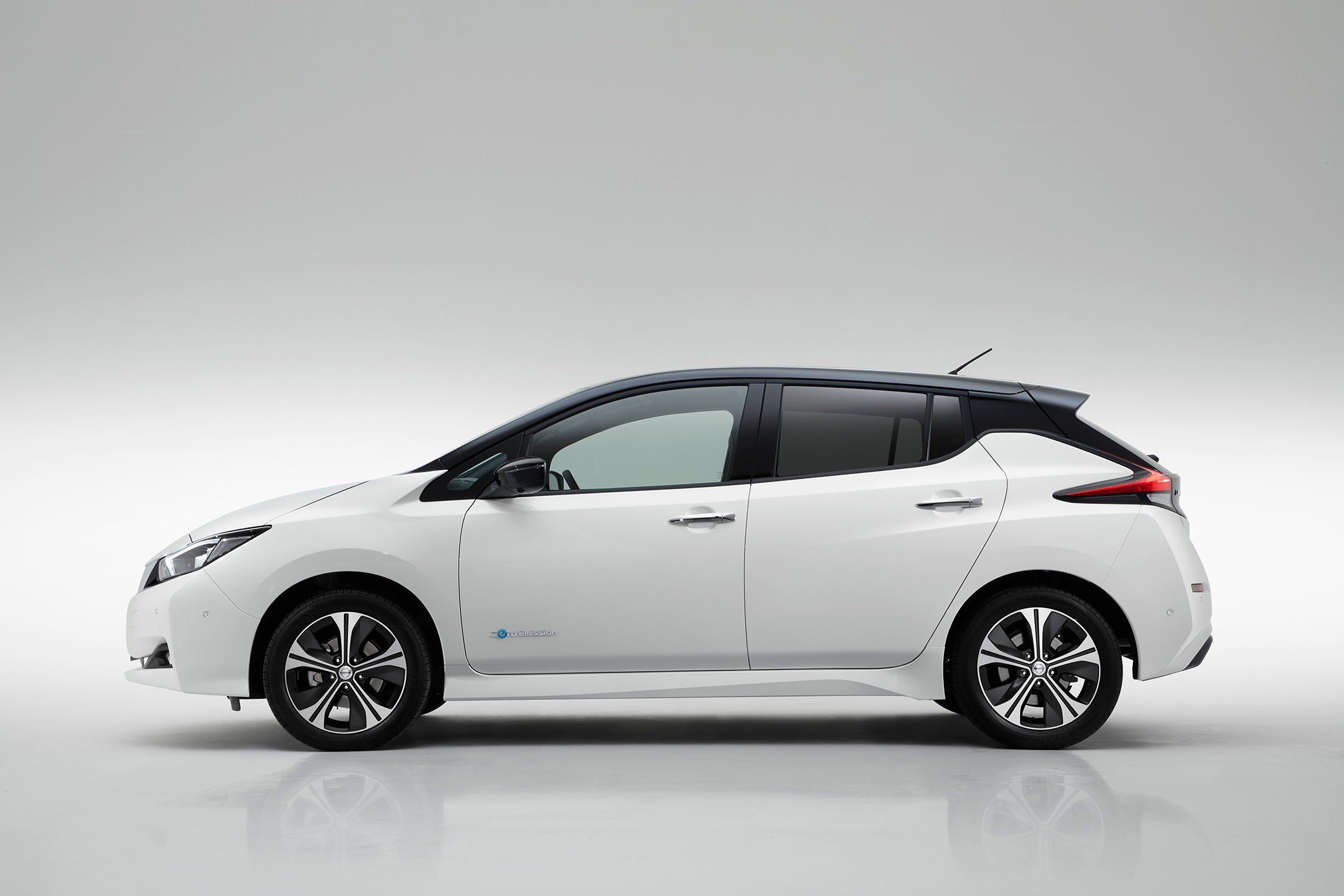 Nissan LEAF 2.0 - 2017 - side-face / profil