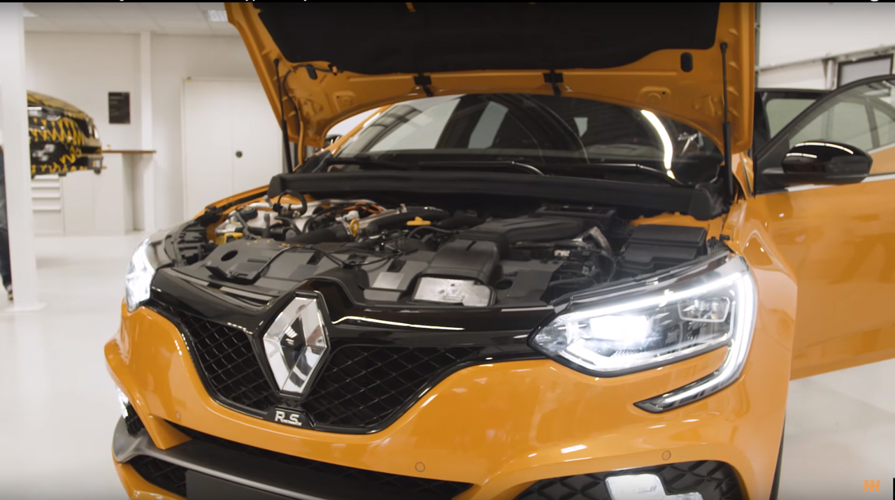 Renault Mégane R.S. - 2017 - under the hood - image via Car Throttle
