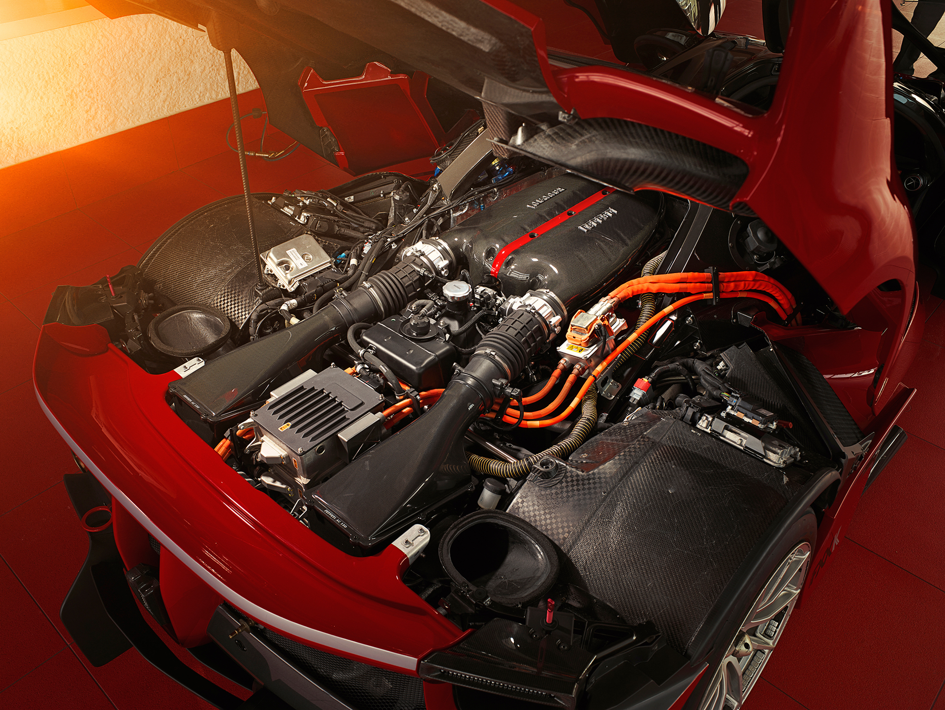 Ferrari FXX K - 2015 - under the hood - V12 - engine / moteur