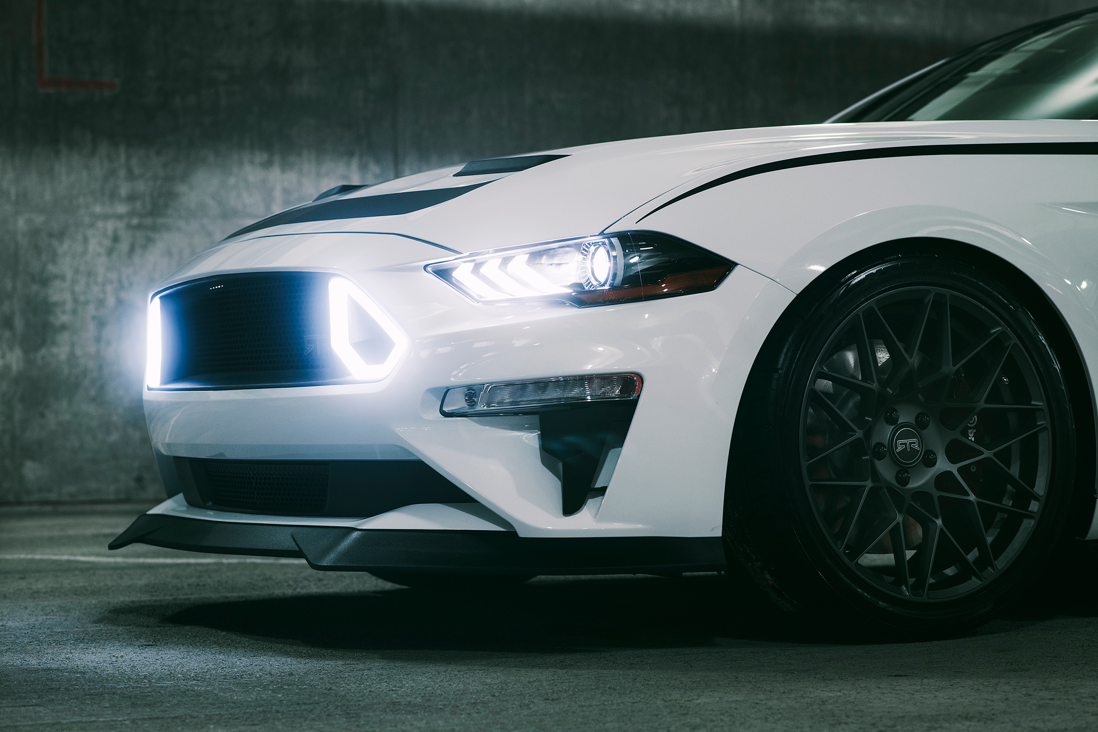 Ford Mustang RTR - 2018 - front light