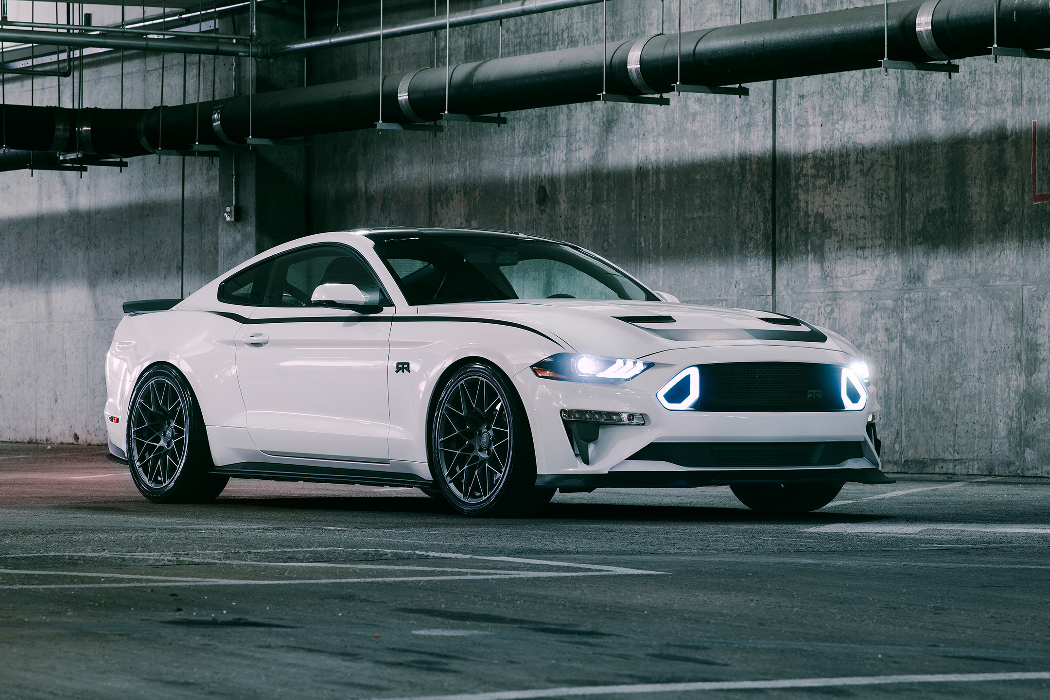Ford Mustang RTR - 2018 - front side-face / profil avant