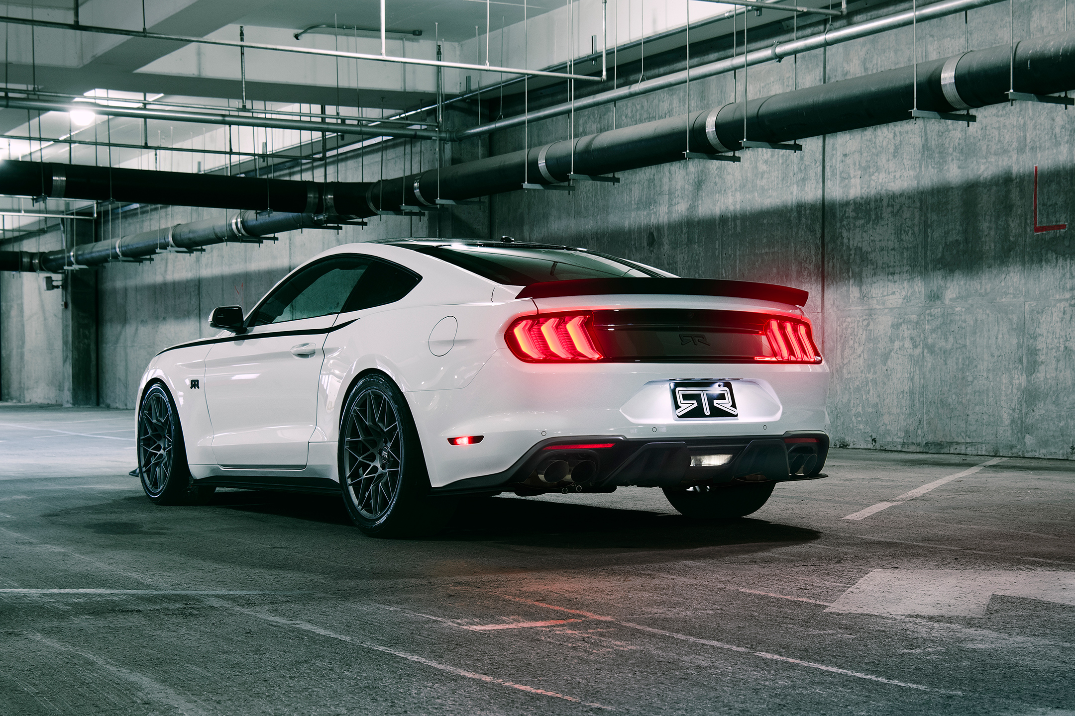mustang rtr ford mustang 2018 est ready to rock w v8 700hp. Black Bedroom Furniture Sets. Home Design Ideas