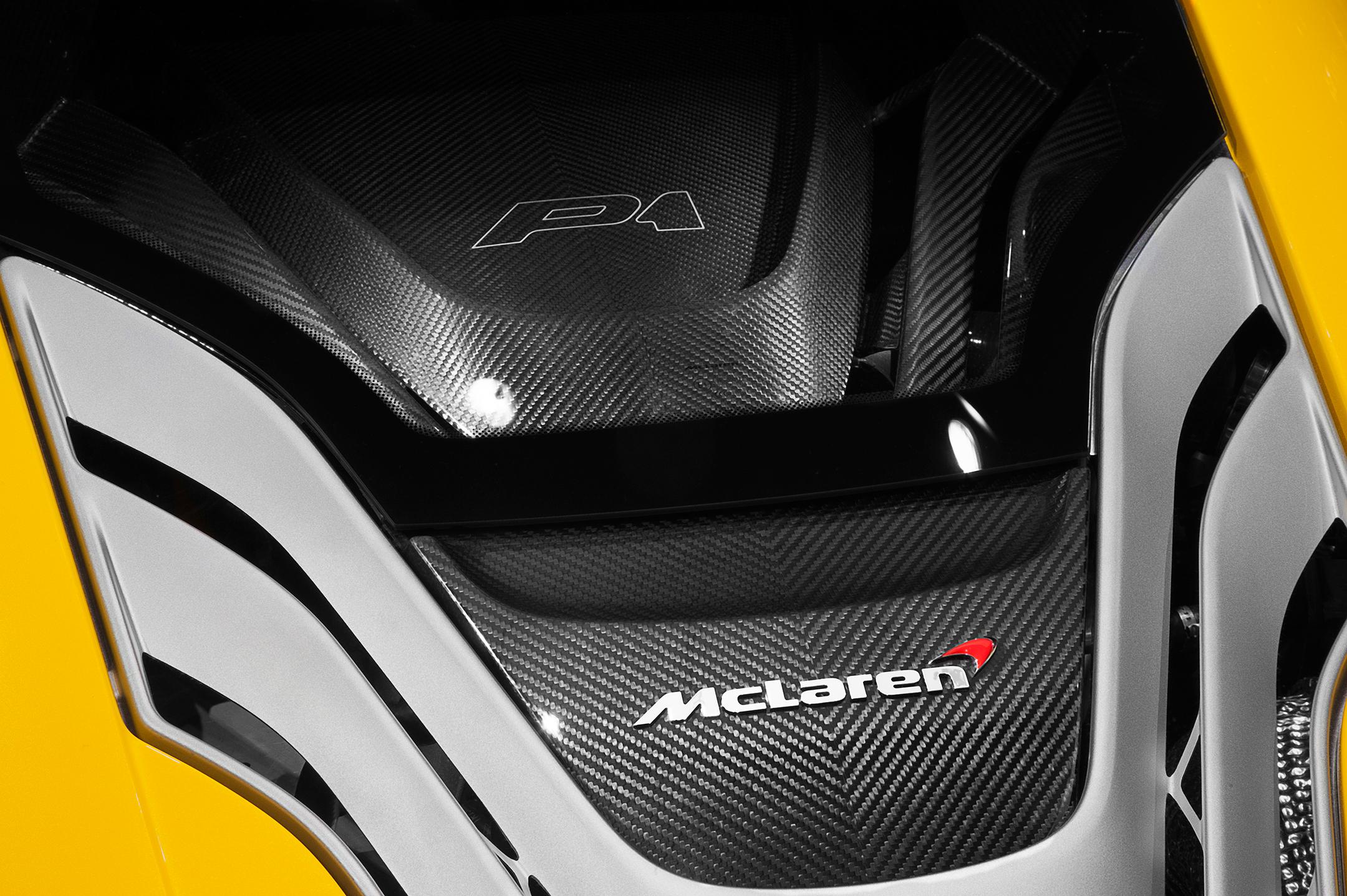 McLaren P1 - 2013 - top rear hood / capot arrière