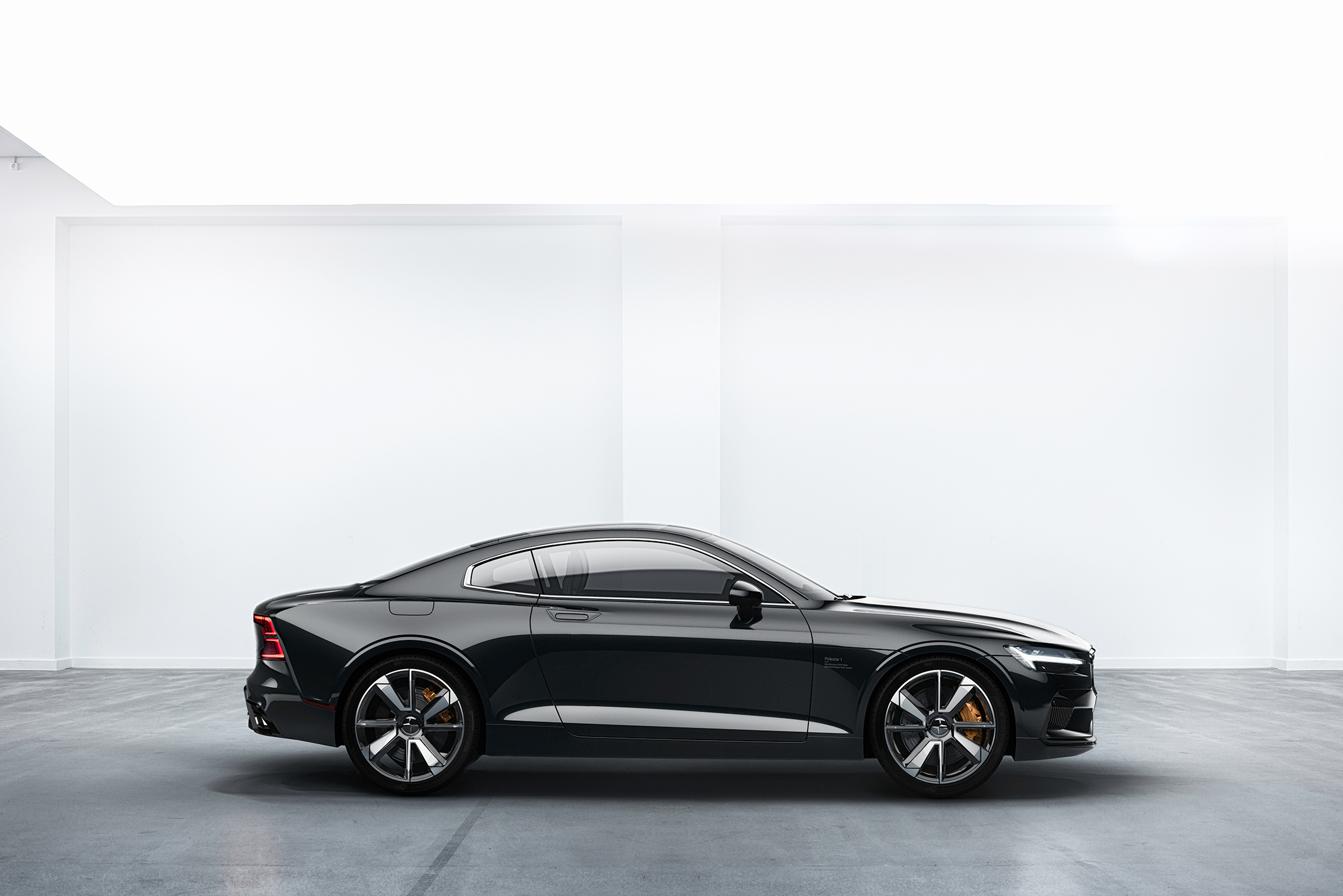 Polestar 1 - 2017 - side-face / profil