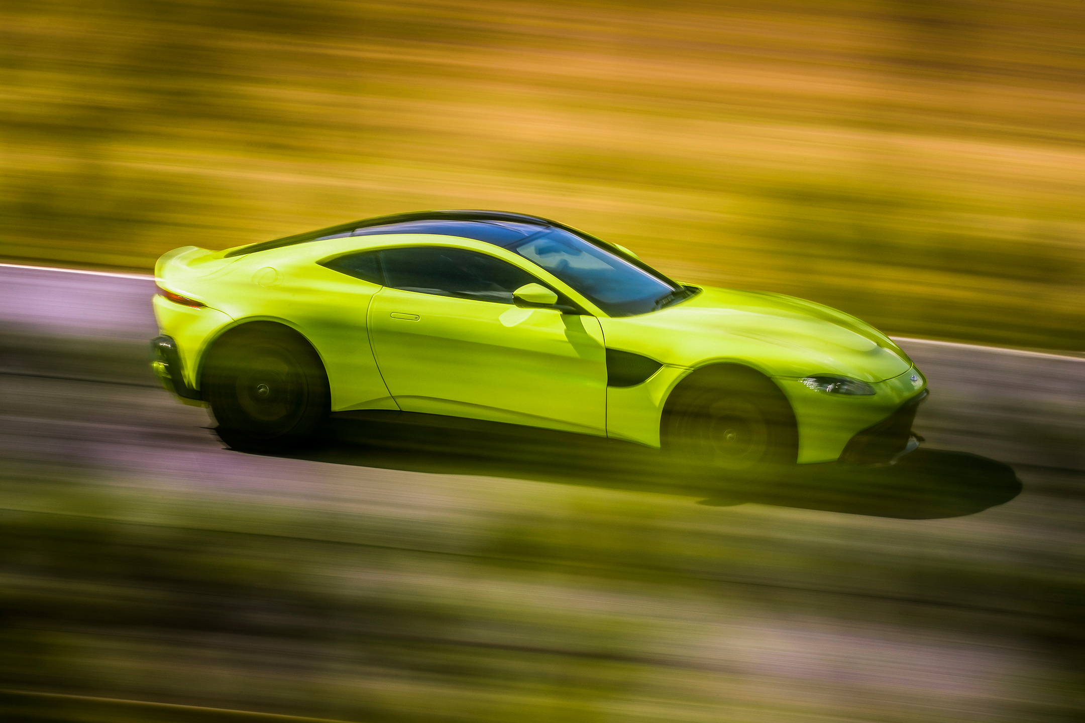 Aston Martin Vantage - 2018 Side-face Speed Lime Essence Livery