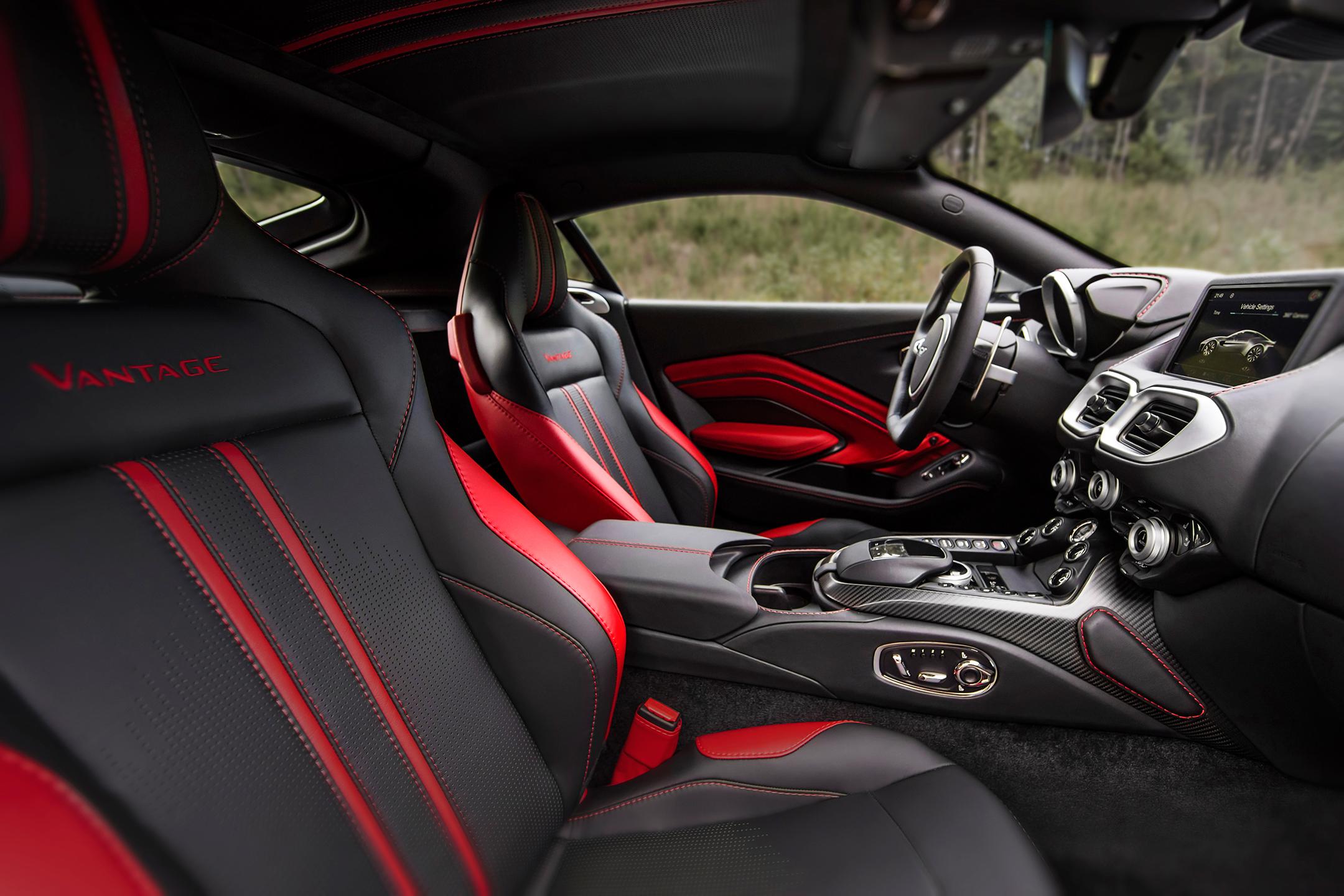Aston Martin Vantage - 2018 - interior / intérieur