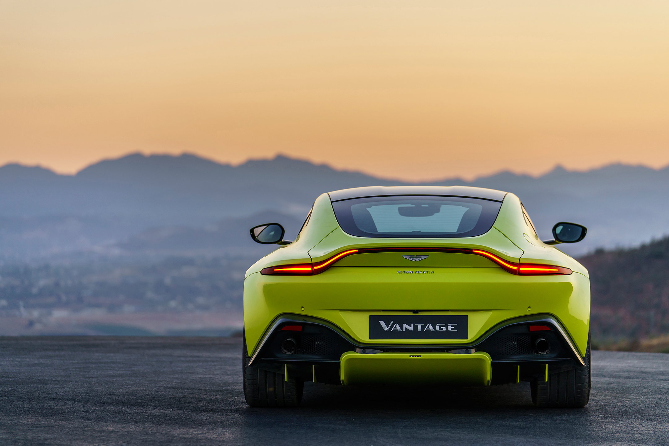 Aston Martin Vantage - 2018 - rear / arrière